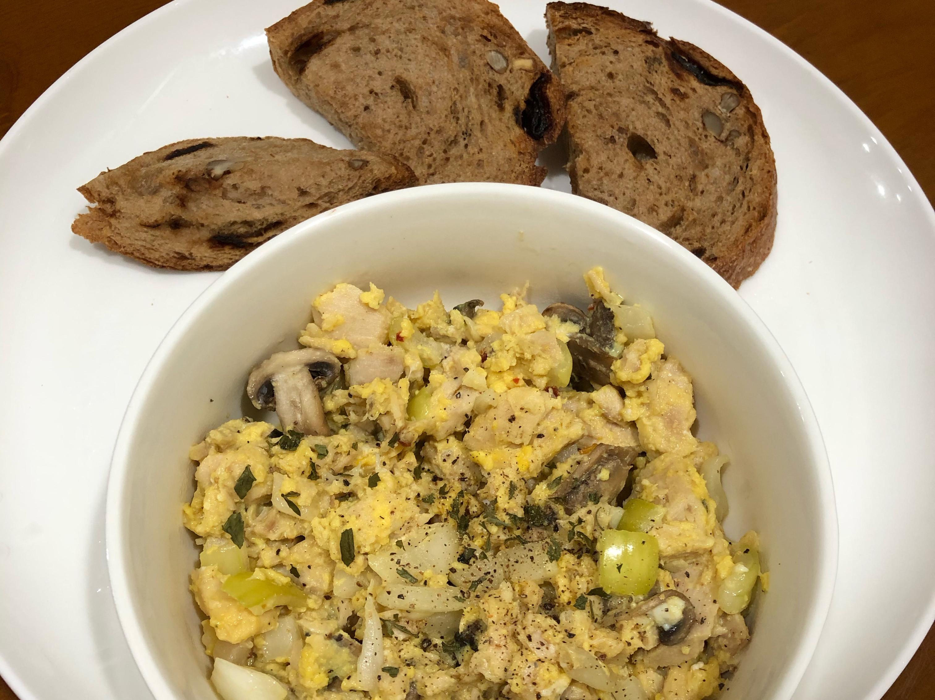 高蛋白「鮪魚蘑菇蛋沙拉」250卡