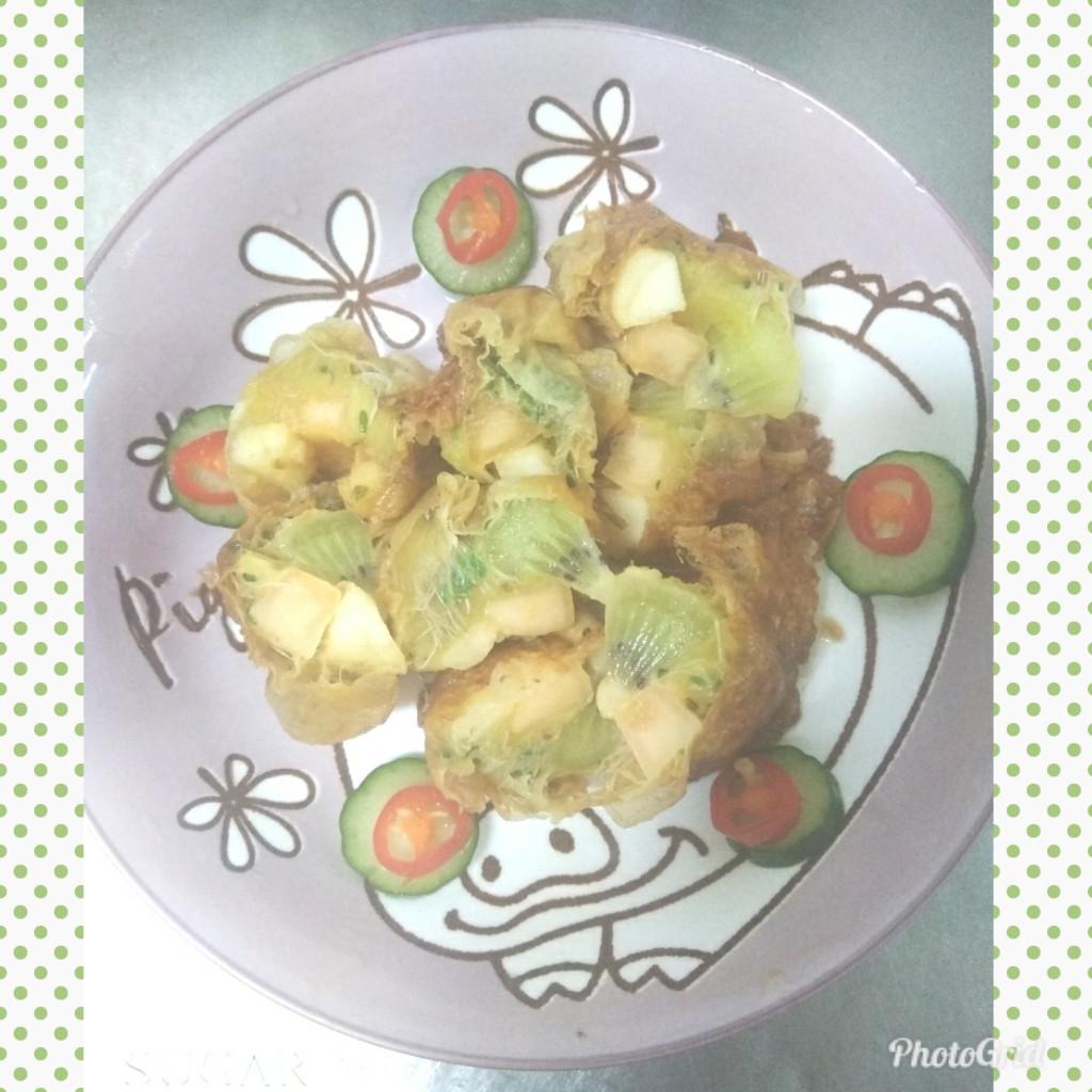 酥炸水果沙拉豆皮捲