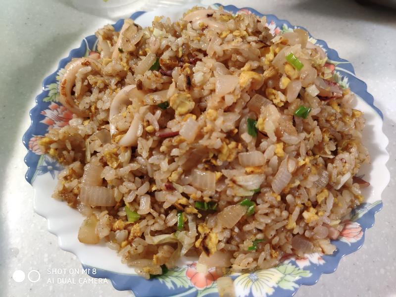 菜多多小管炒飯(高麗菜、洋蔥)