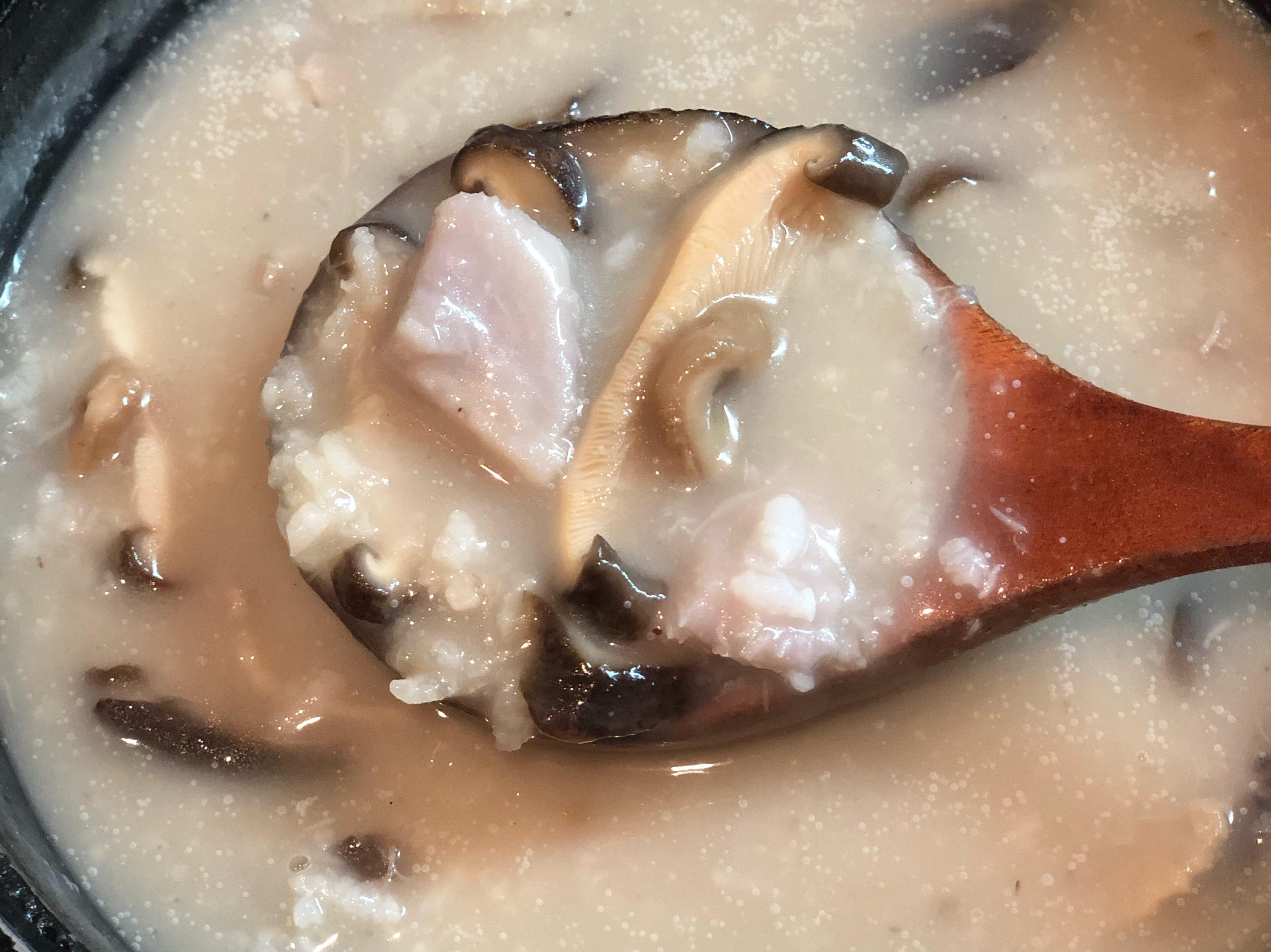 香菇芋頭鹹粥