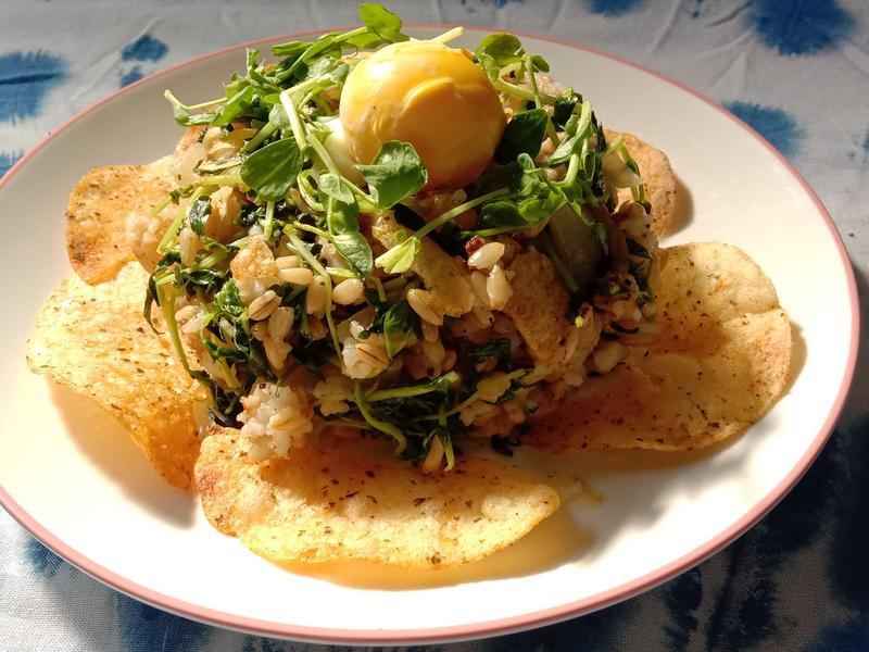 天氣之子薯片炒飯 + 冬瓜湯