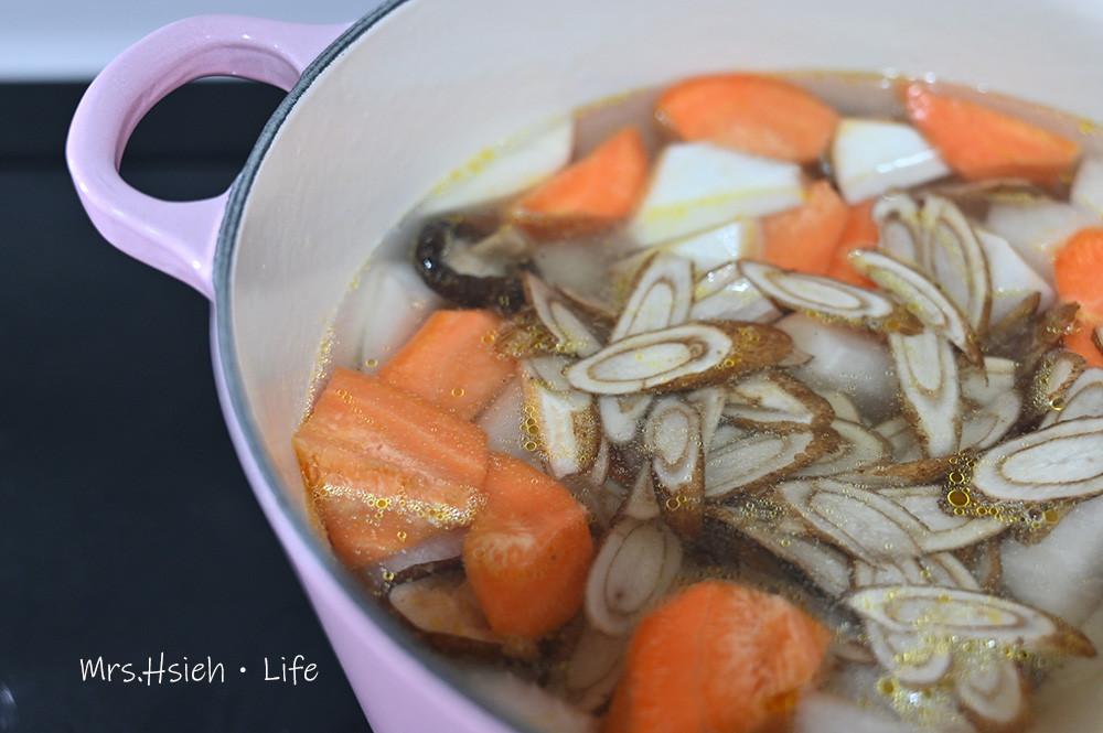 養生蔬菜湯~鑄鐵鍋食譜