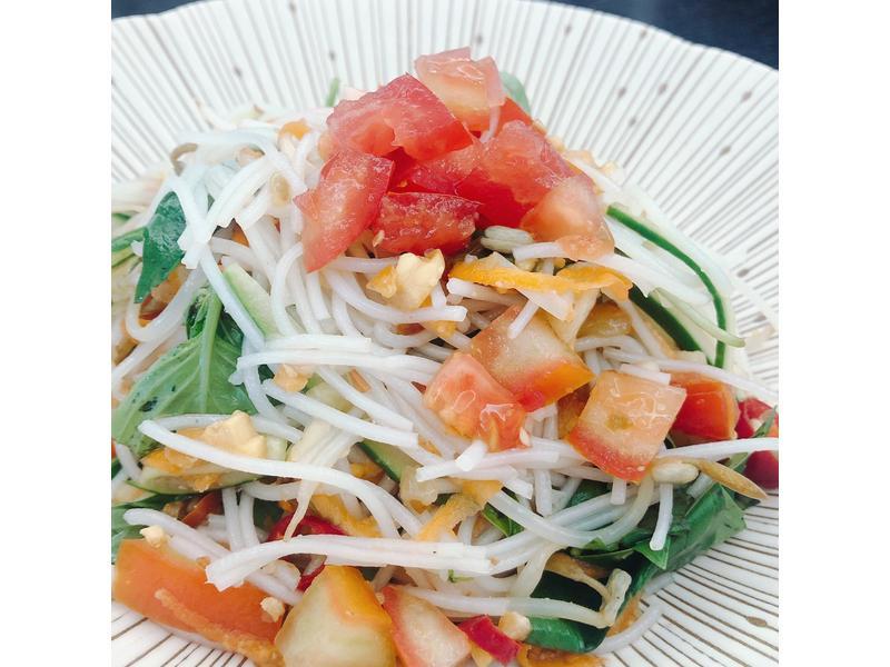 開胃小菜 <沙拉> 越南涼拌米線