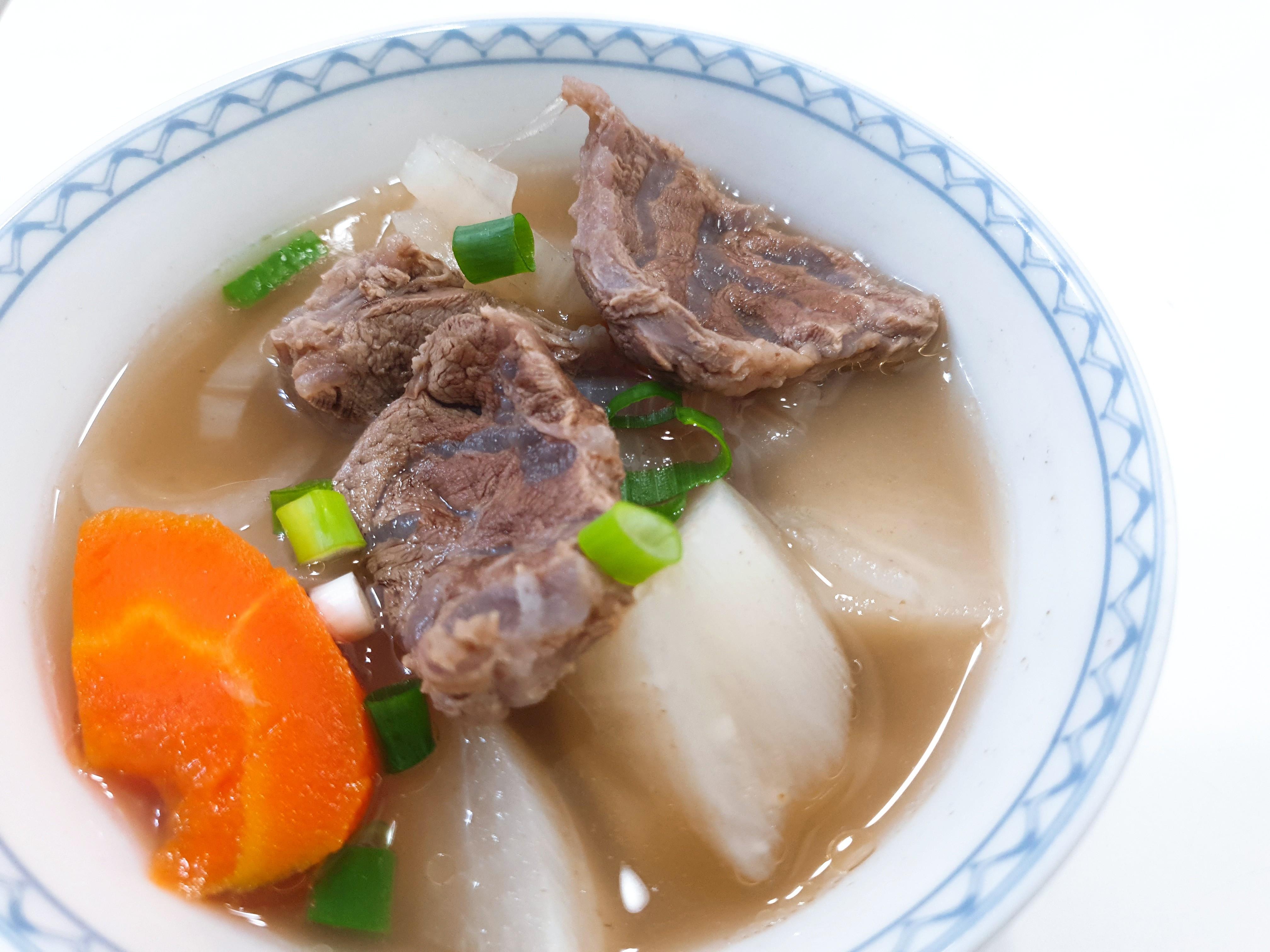 暖暖的清燉牛肉湯(電鍋)