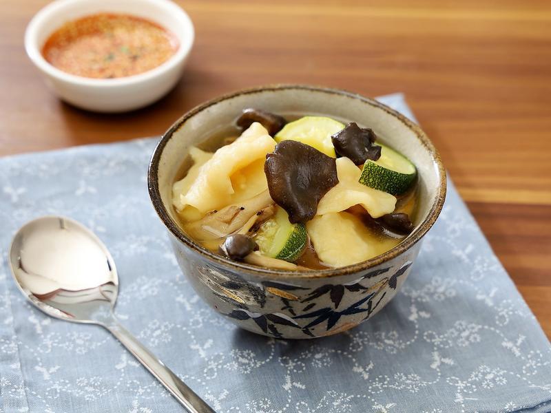 韓式菇菇麵片湯