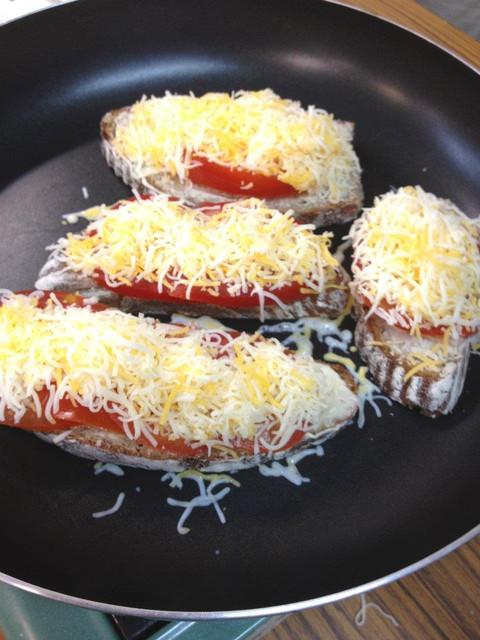 德式料理。平底鍋炙烤三明治 German Grilled Cheese Sandwich(4人份)