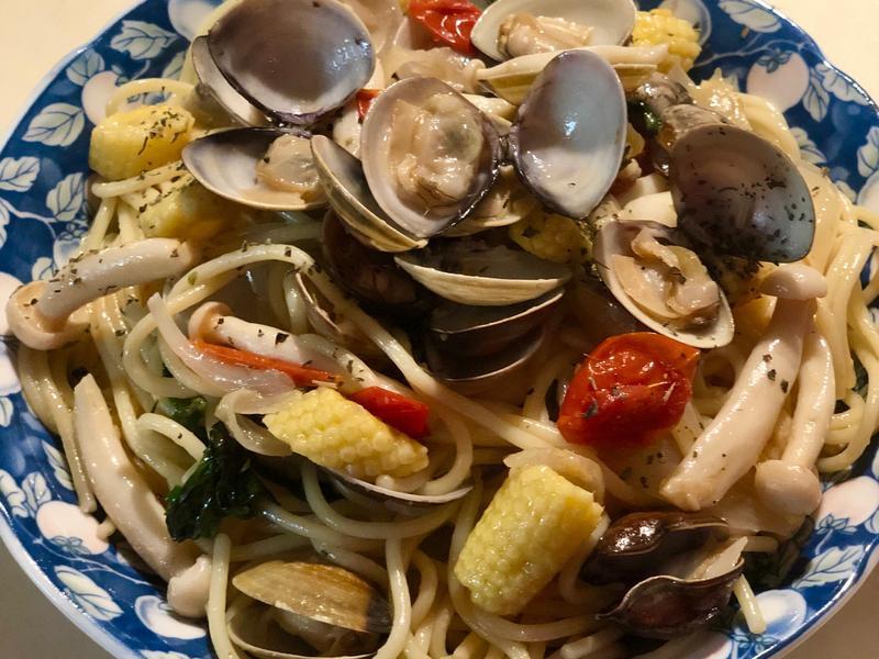 蒜炒蛤蜊菇菇義大利麵