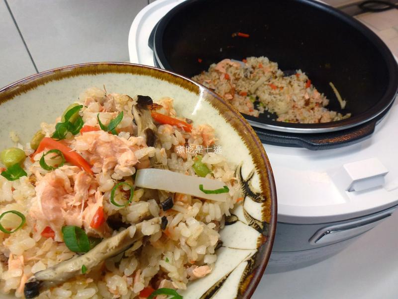 鮭魚五目炊飯【飛利浦智慧萬用電子鍋】