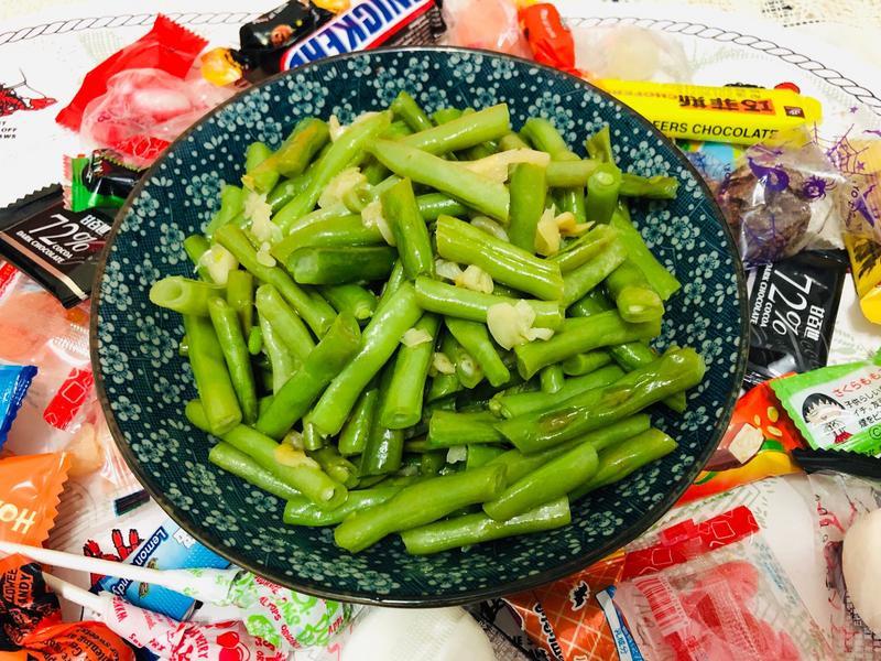 蒜香四季豆(飛利浦智慧萬用電子鍋)