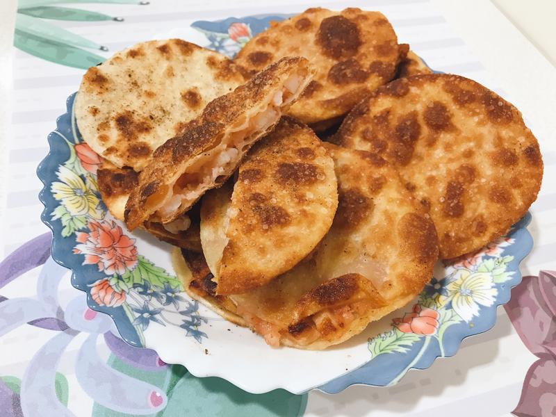 水餃皮蝦漿花枝餅