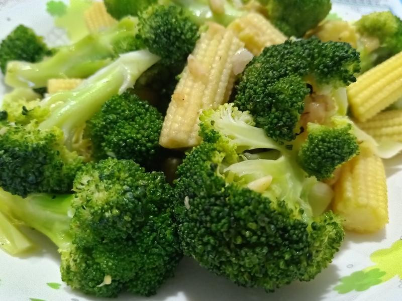 花椰菜玉米筍~簡單快速健康料理