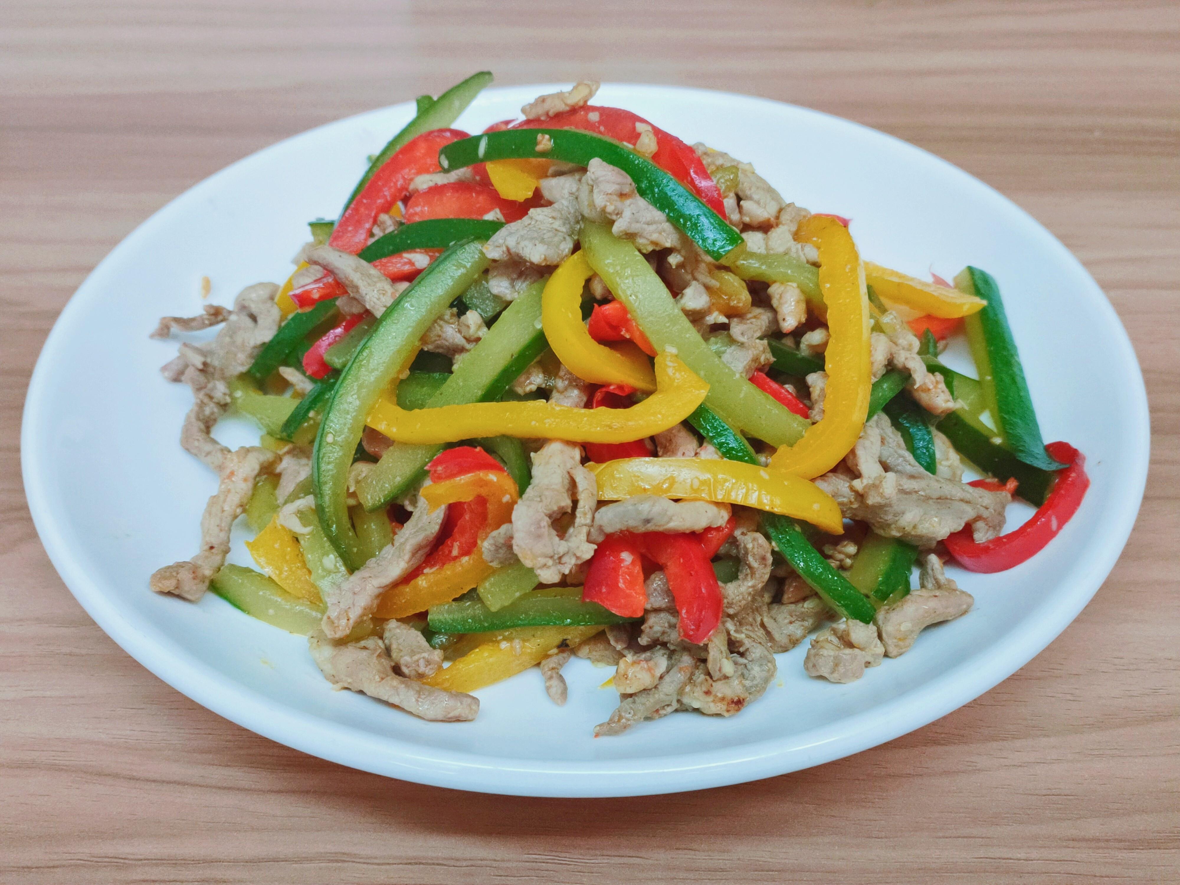 (無油料理)彩椒黃瓜炒肉絲