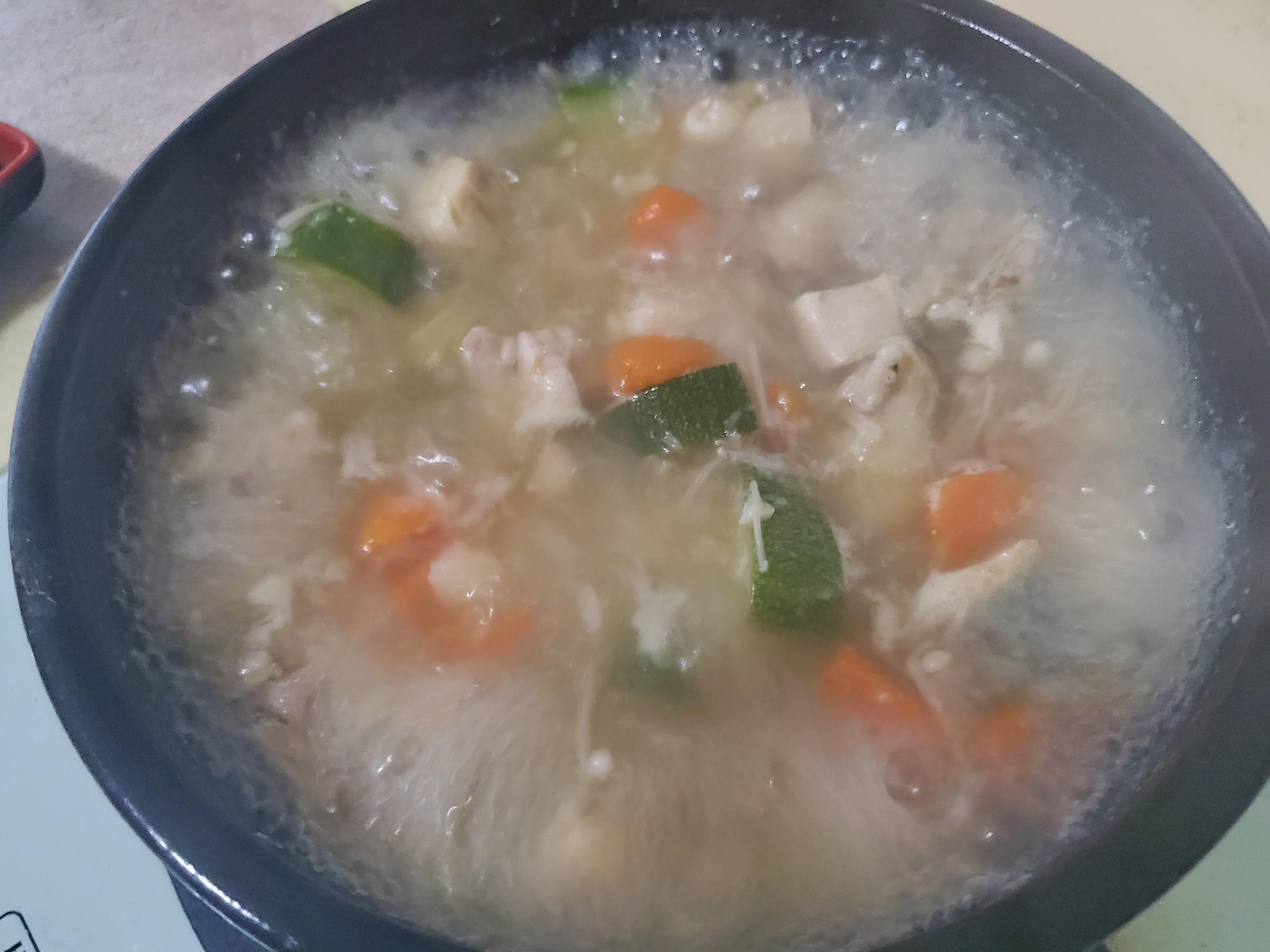 (一鍋到底)蒜蔬雞湯