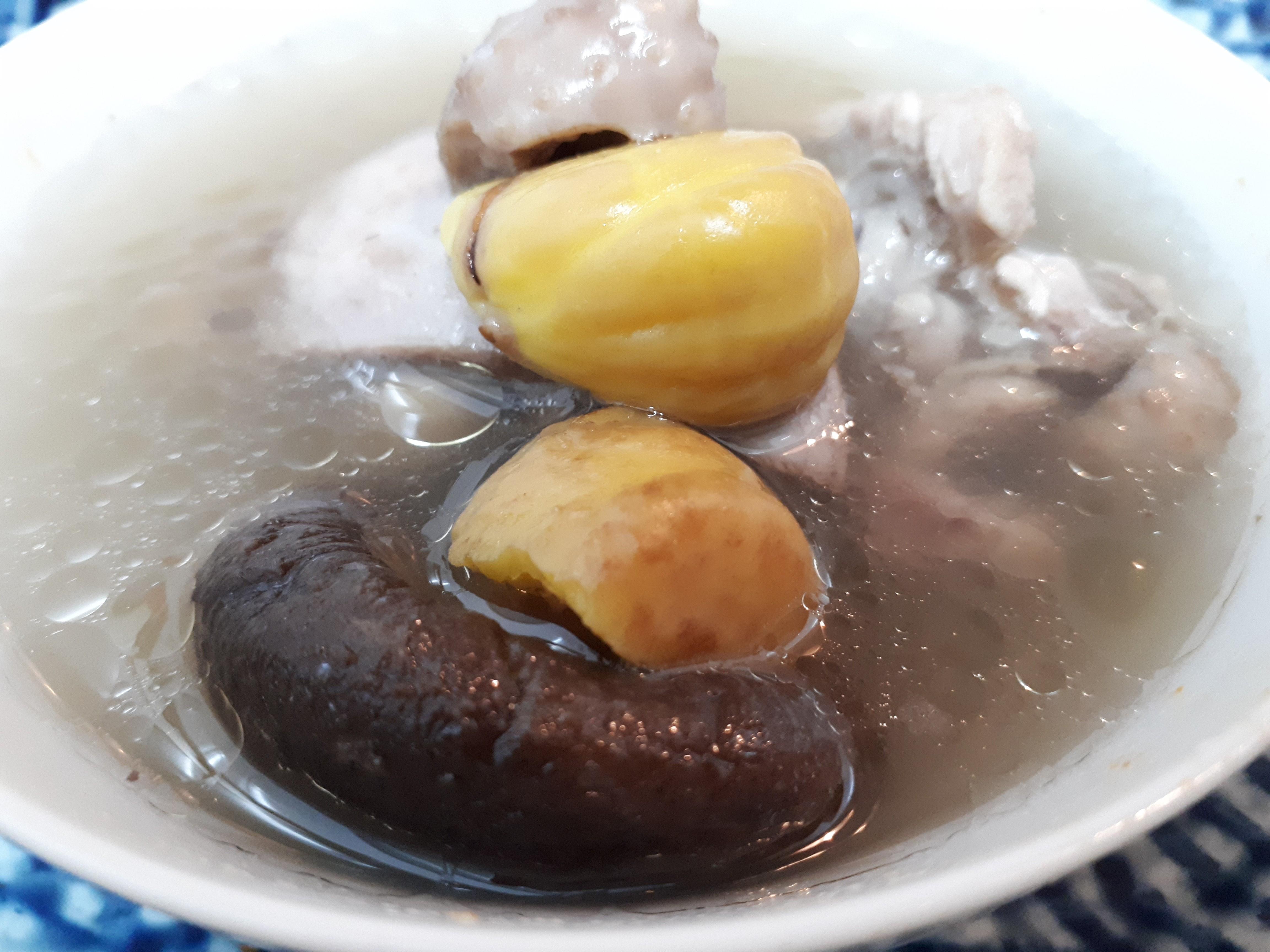 栗子香菇雞湯