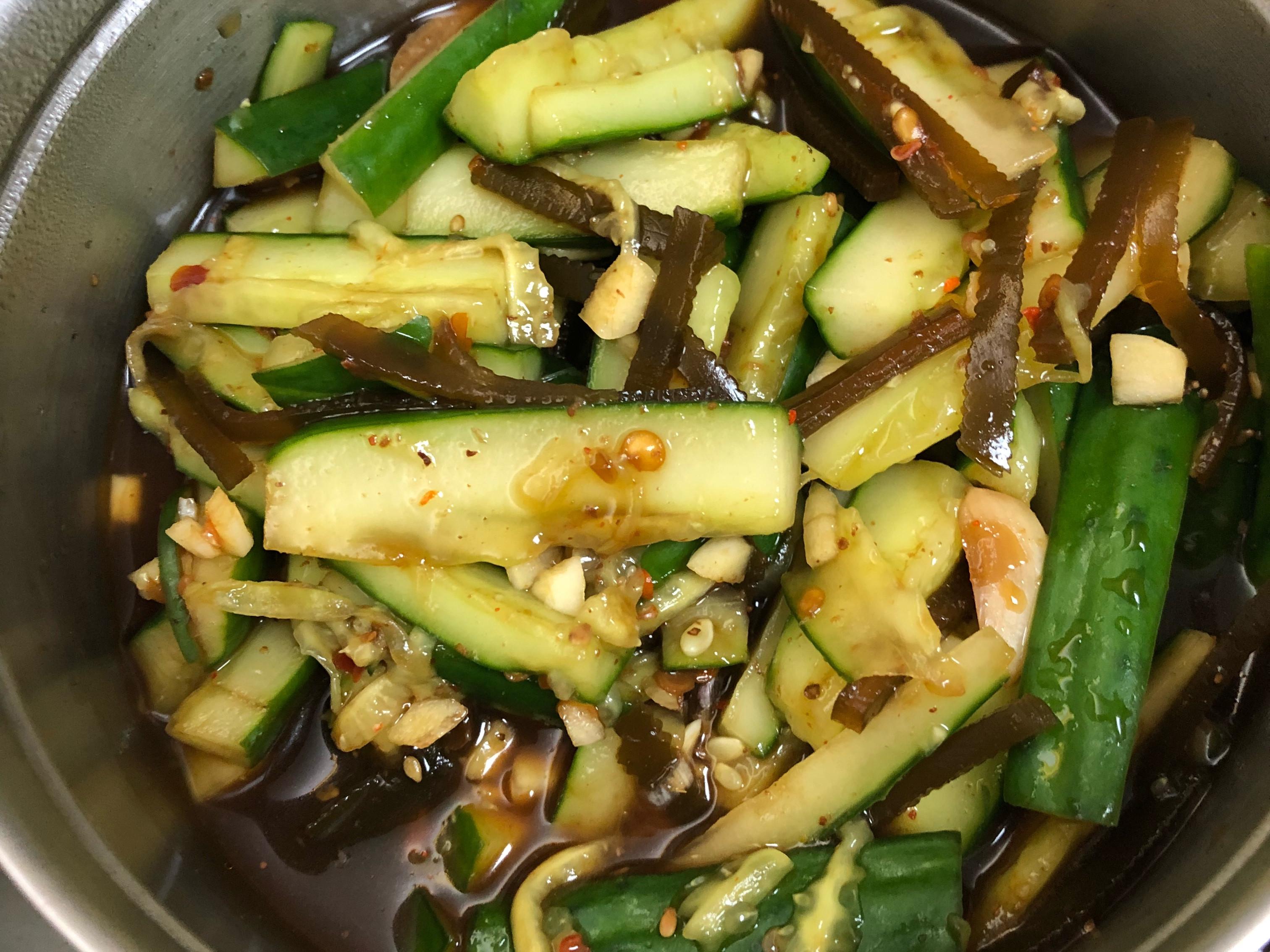 涼拌小黃瓜海帶絲