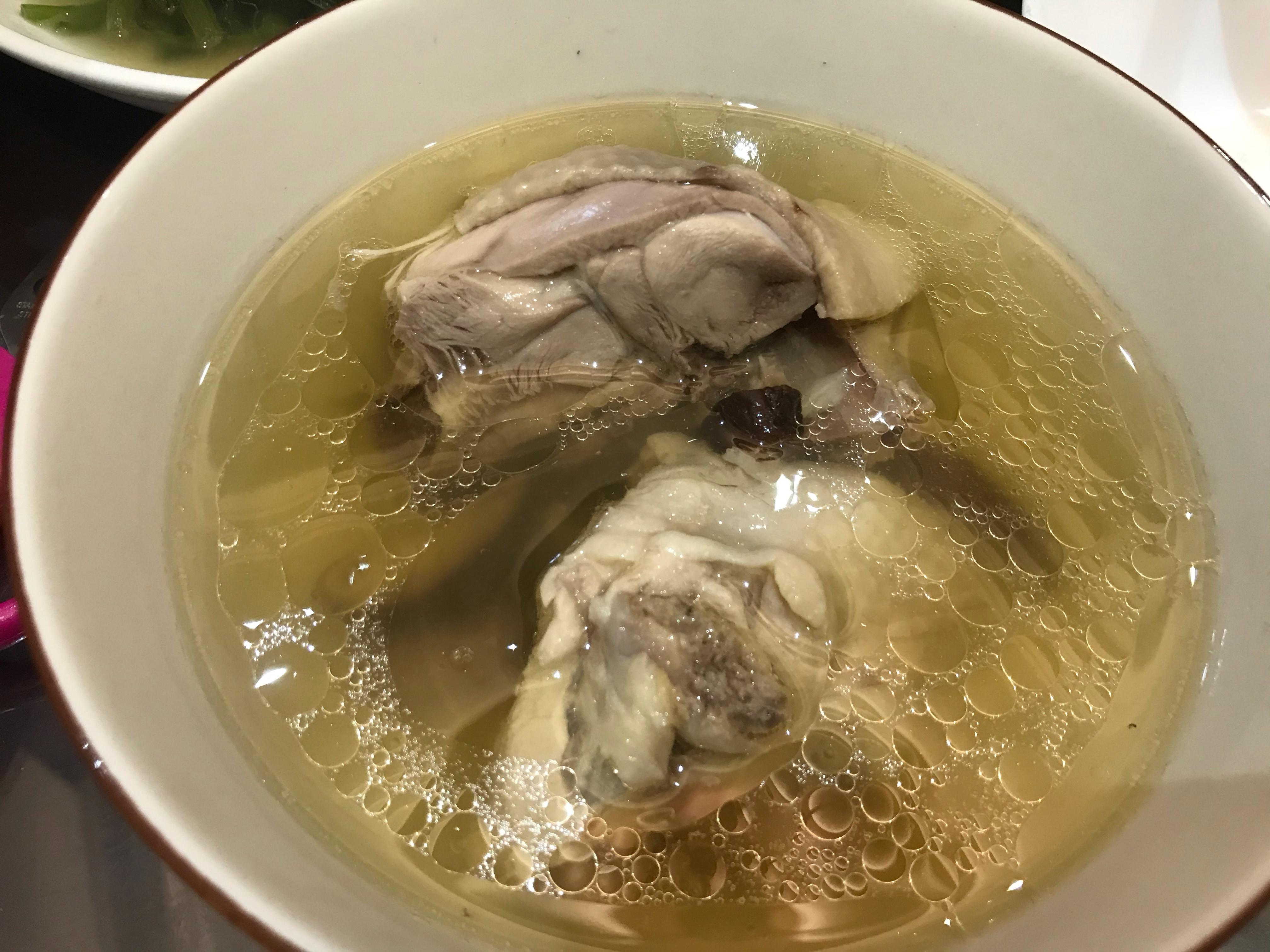 蒜頭香菇雞湯(萬用鍋)