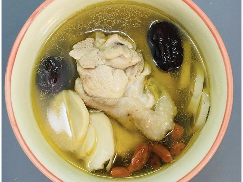 [生酮飲食/低醣飲食]黃耆補氣雞湯