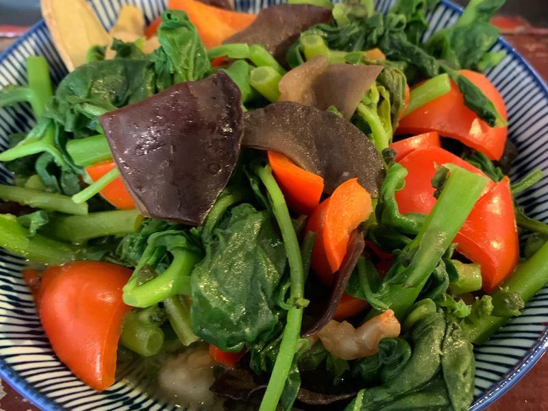 黑木耳紅椒蝦仁炒甜菠菜