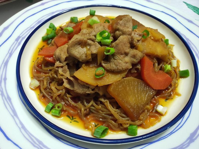 lanni 蒟蒻馬鈴薯蘿蔔燉肉