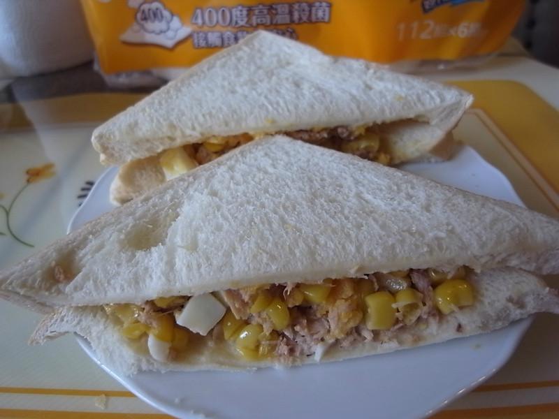【五月花妙用廚紙】美味親子廚房之鮪魚玉米蛋沙拉三明治~
