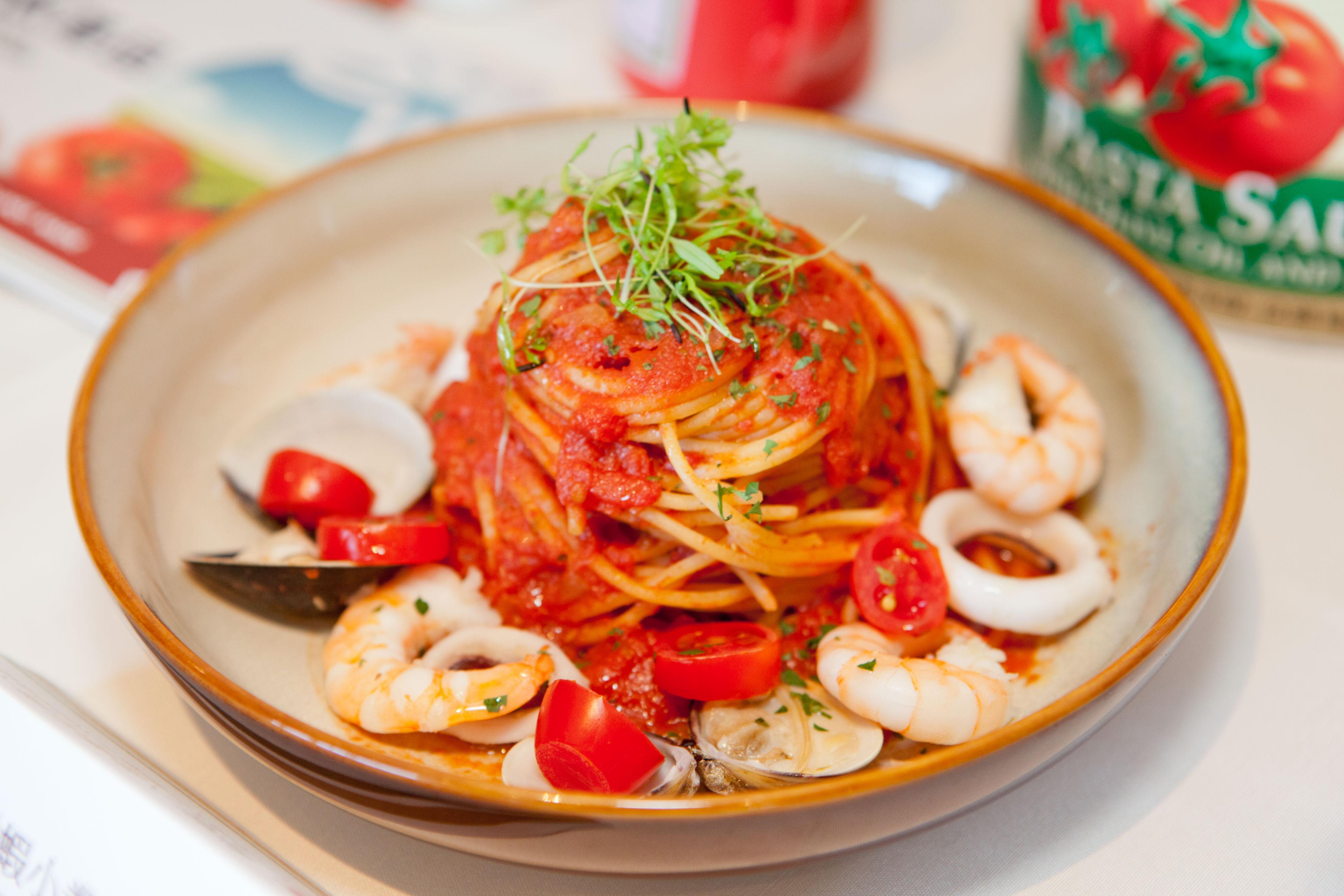 亨氏鮮蝦小卷番茄義大利麵