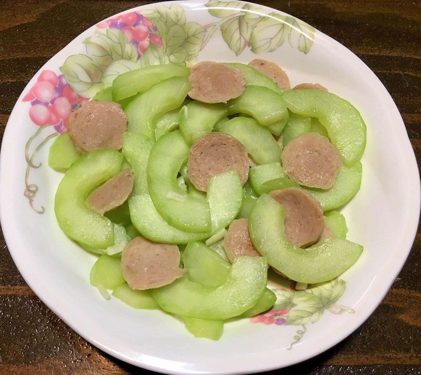 大黃瓜炒貢丸