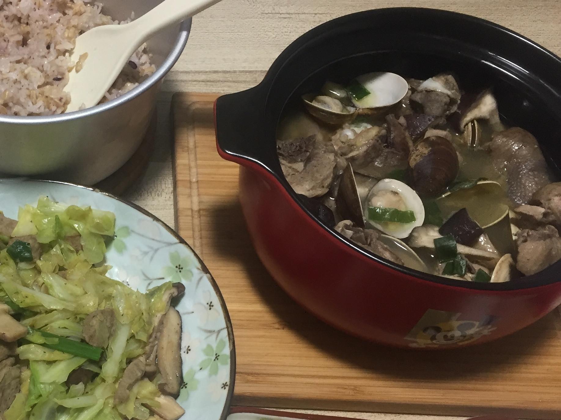 蒜頭香菇蛤蜊雞湯