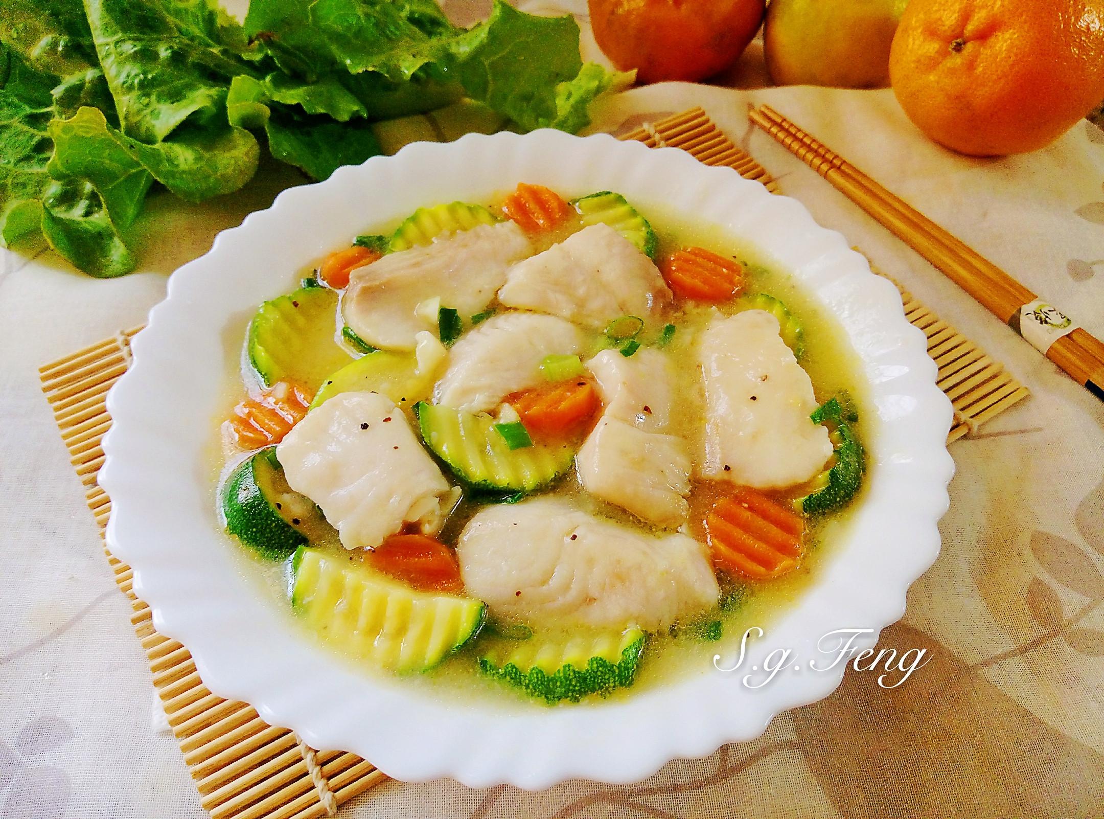 鯛魚片燴櫛瓜