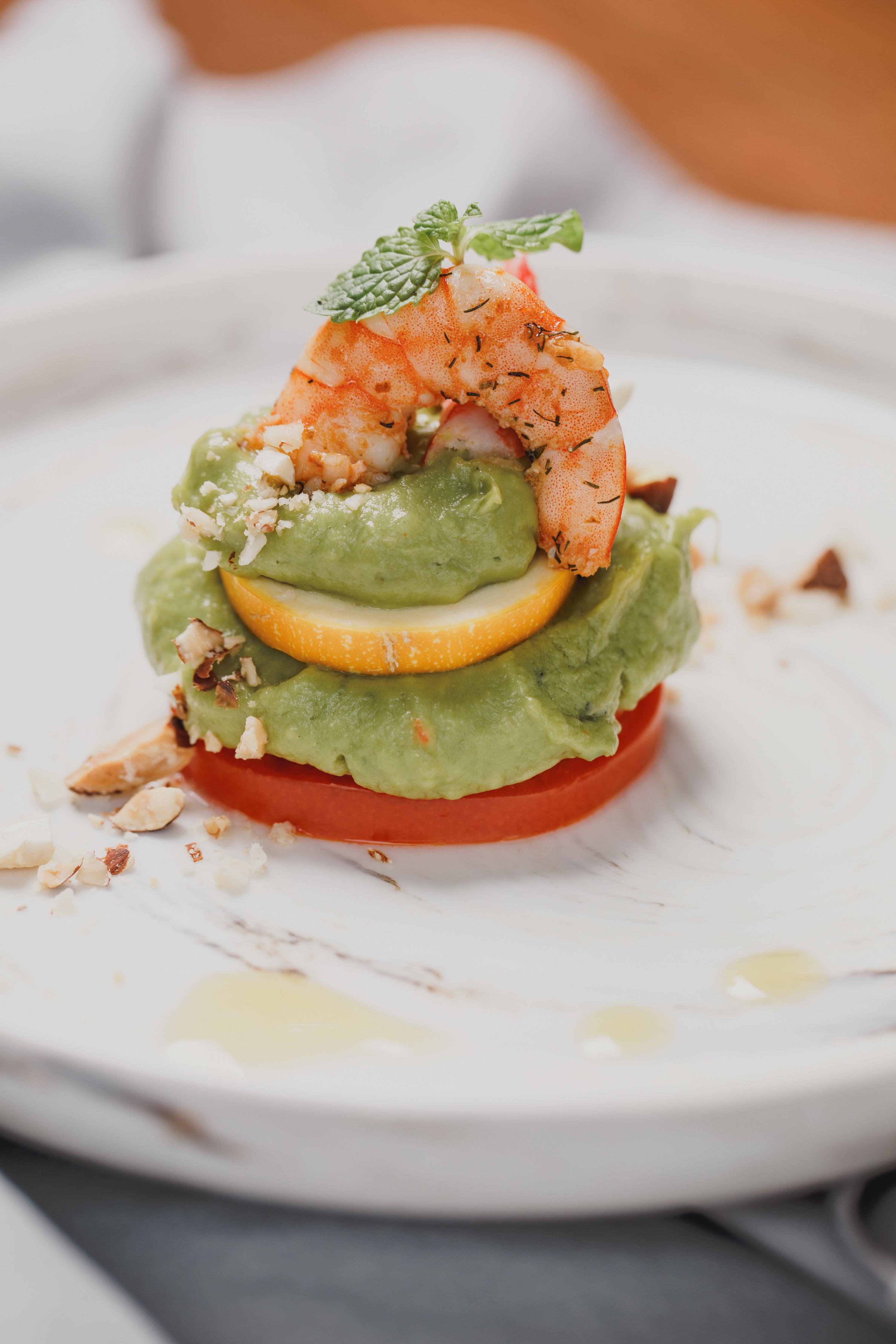 低醣料理 <沙拉> 白蝦酪梨番茄塔