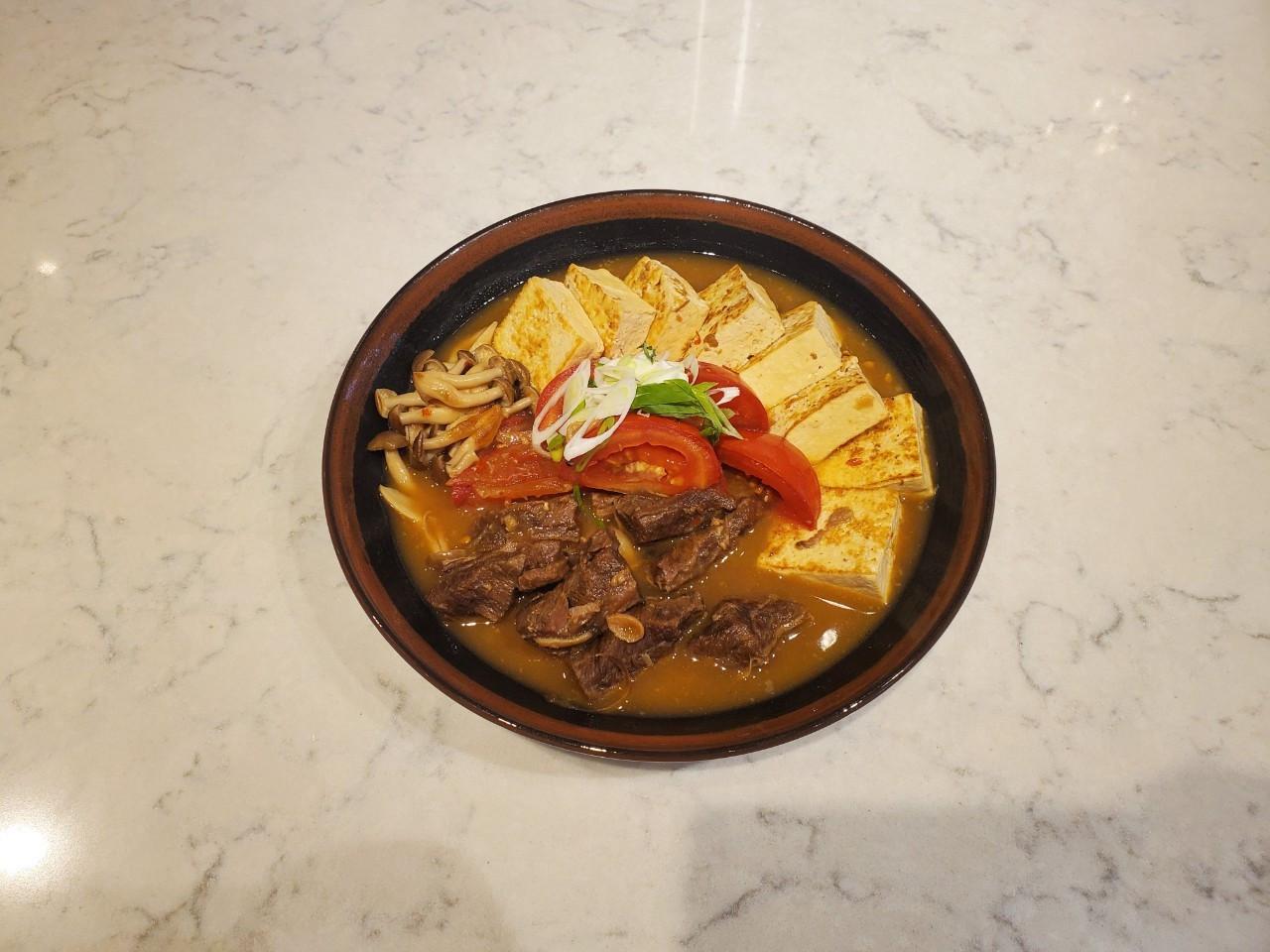 【湯瑪仕上菜】-紅燒牛肉豆腐煲