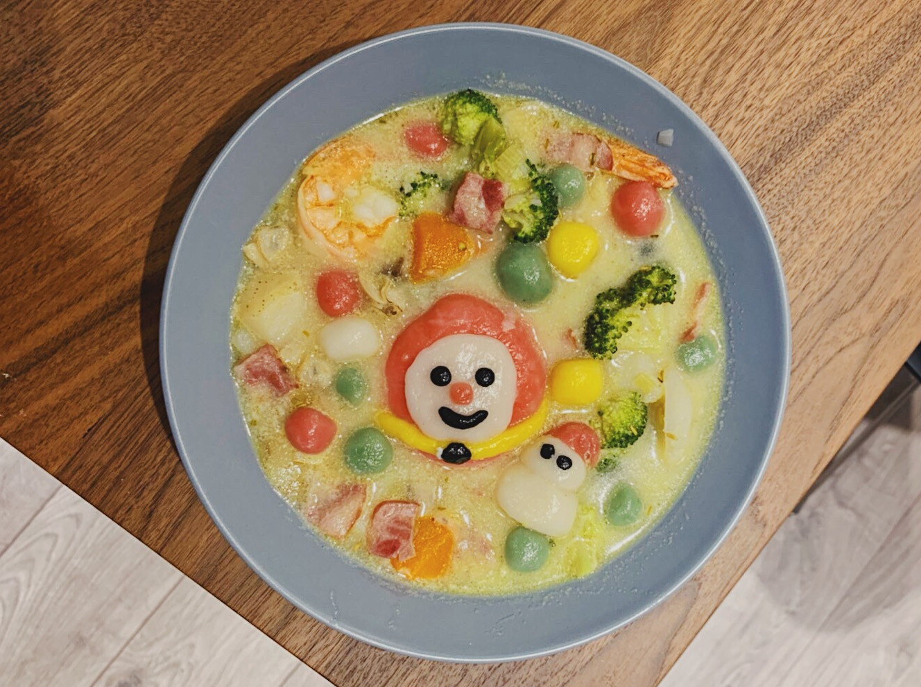 聖誕寶貝球湯圓 海鮮巧達濃湯