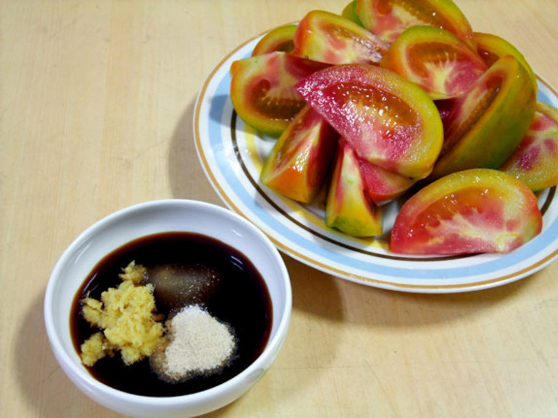 蕃茄切盤佐薑泥甘草醬油膏