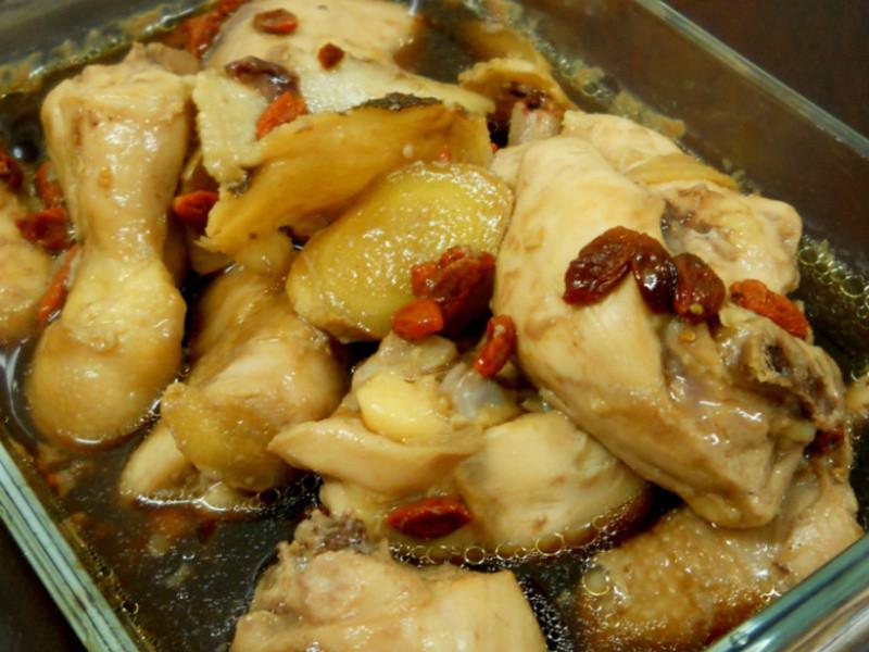 鸡精蒸鸡 Steamed Chicken With Chicken Essence