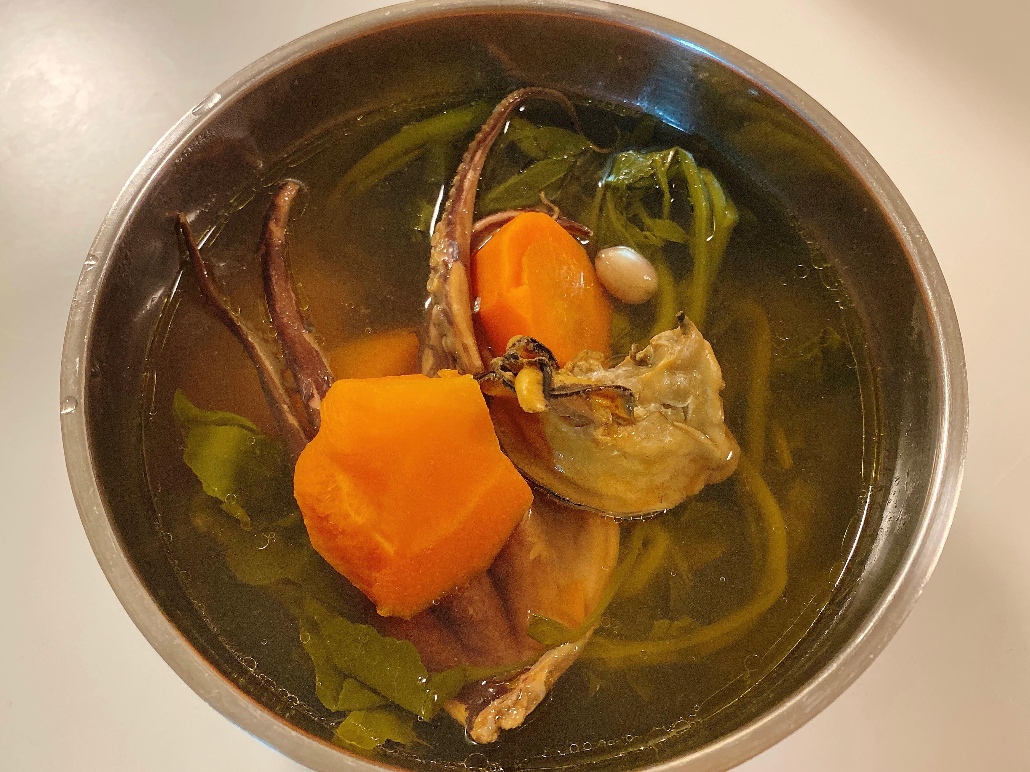 西洋菜章魚蠔豉花生陳腎雞湯