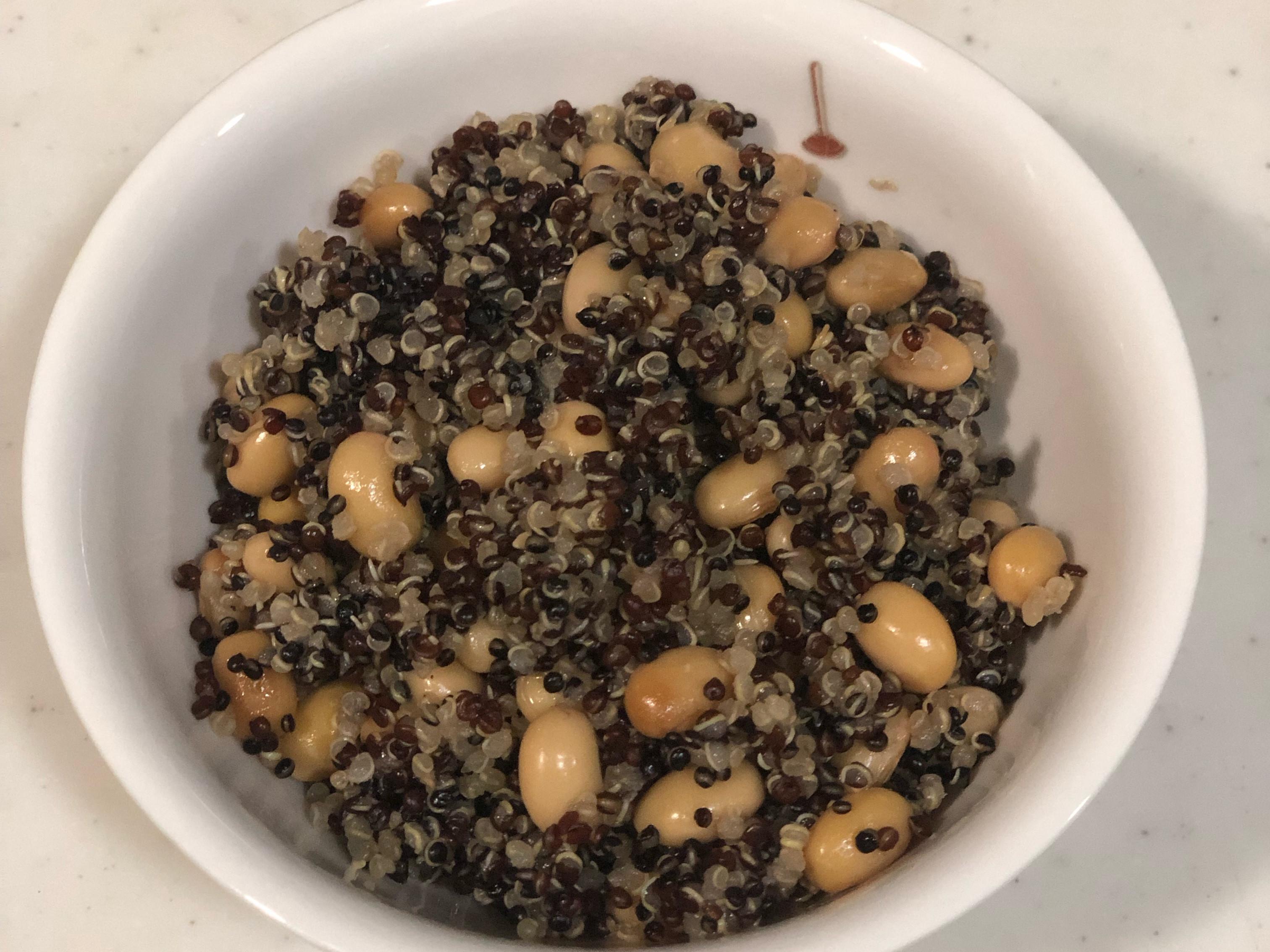 生酮補碳日之三色藜麥黃豆飯(電子鍋)