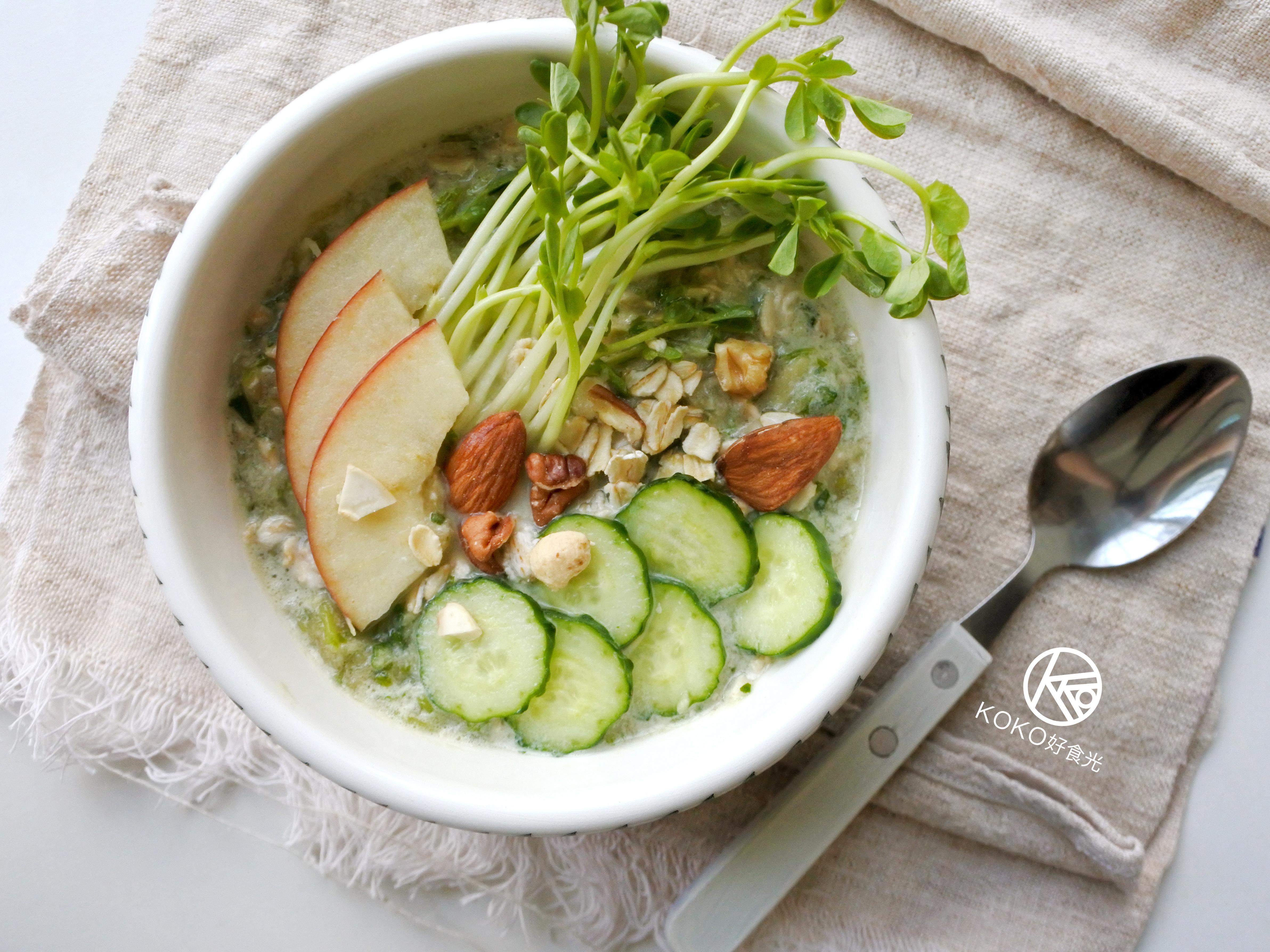 燕麥豆漿綠拿鐵(隔夜燕麥粥早餐)
