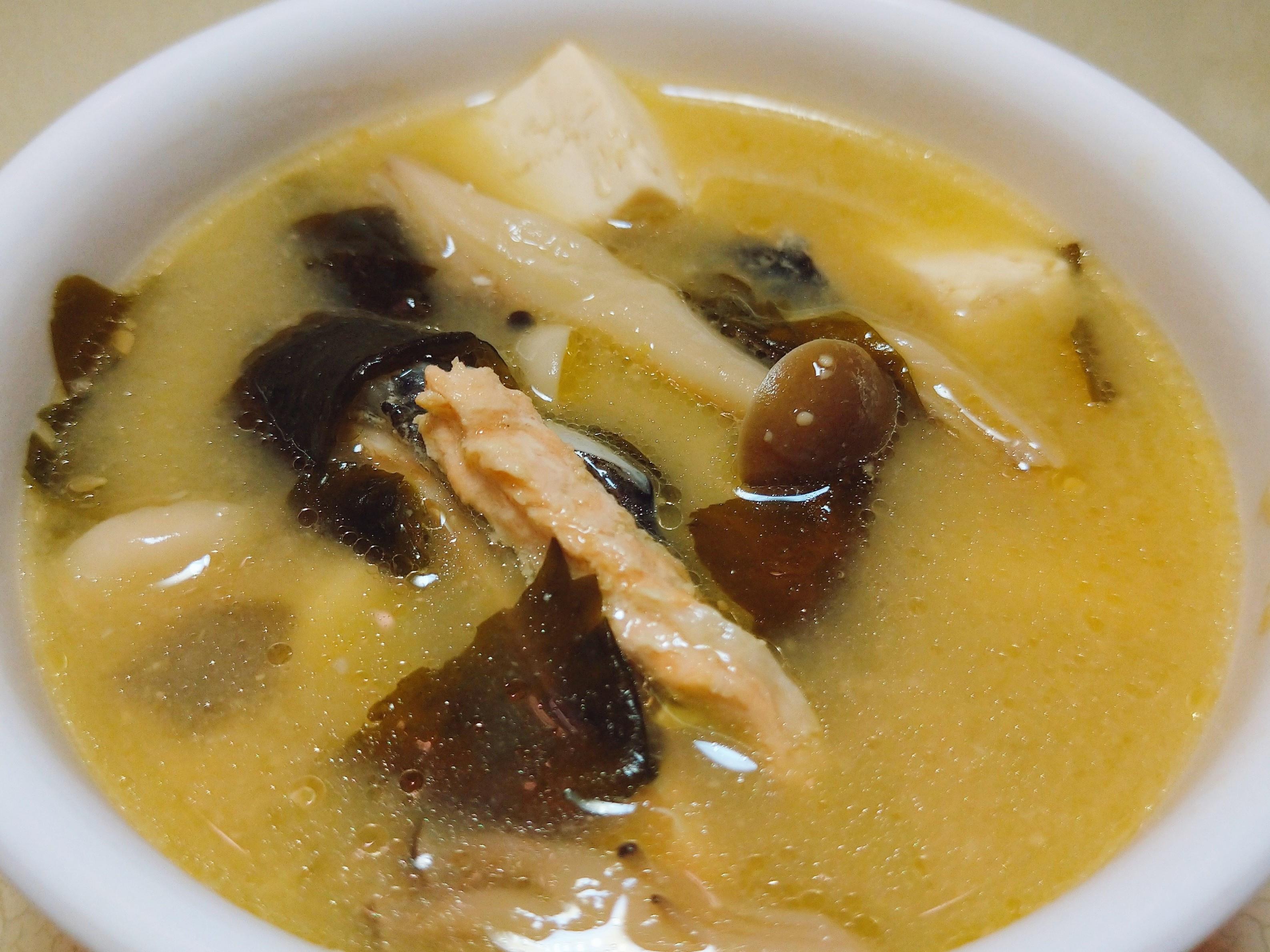暖呼呼鮭魚味噌湯