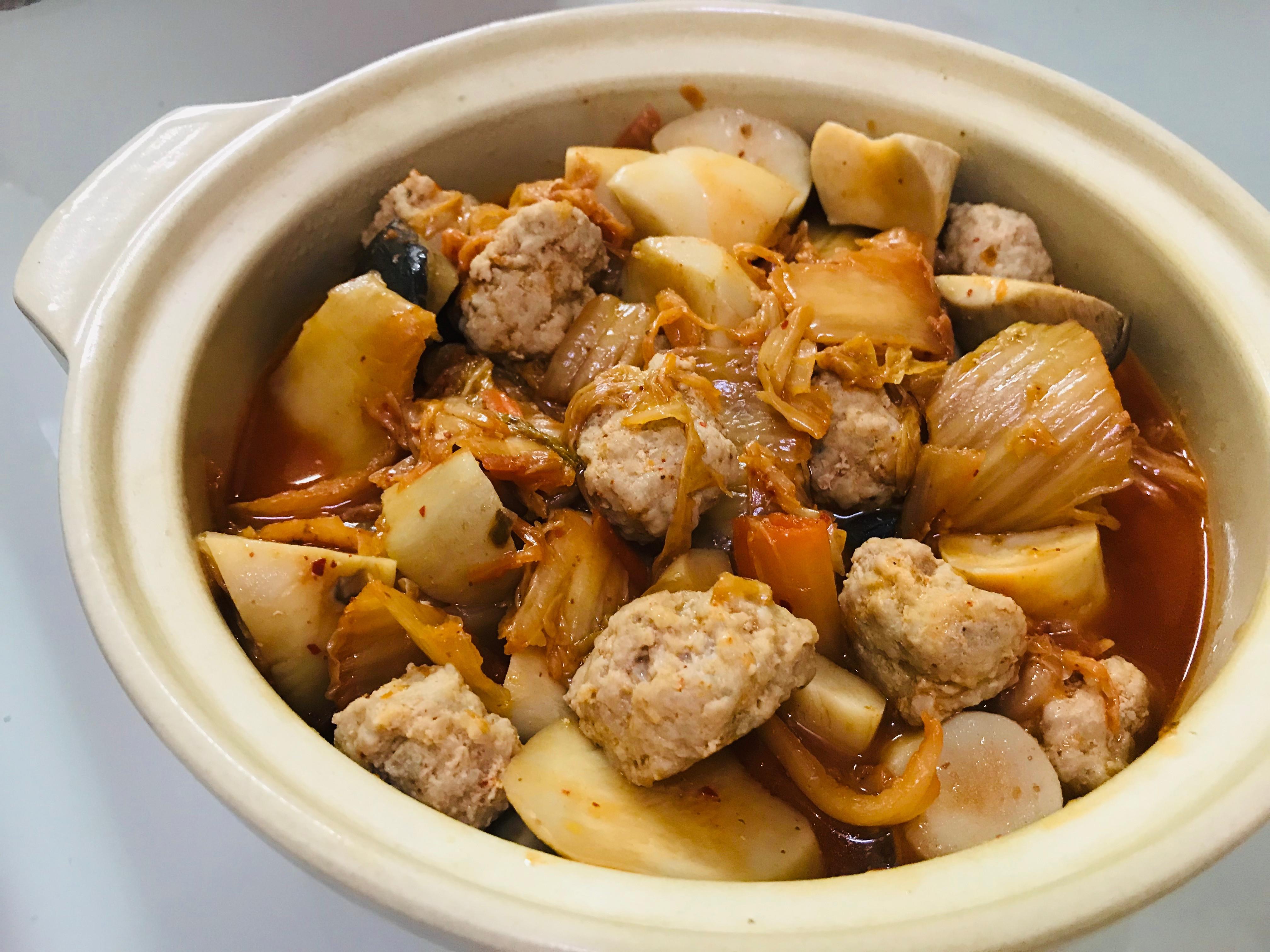 暖心料理:泡菜杏鮑菇肉丸子