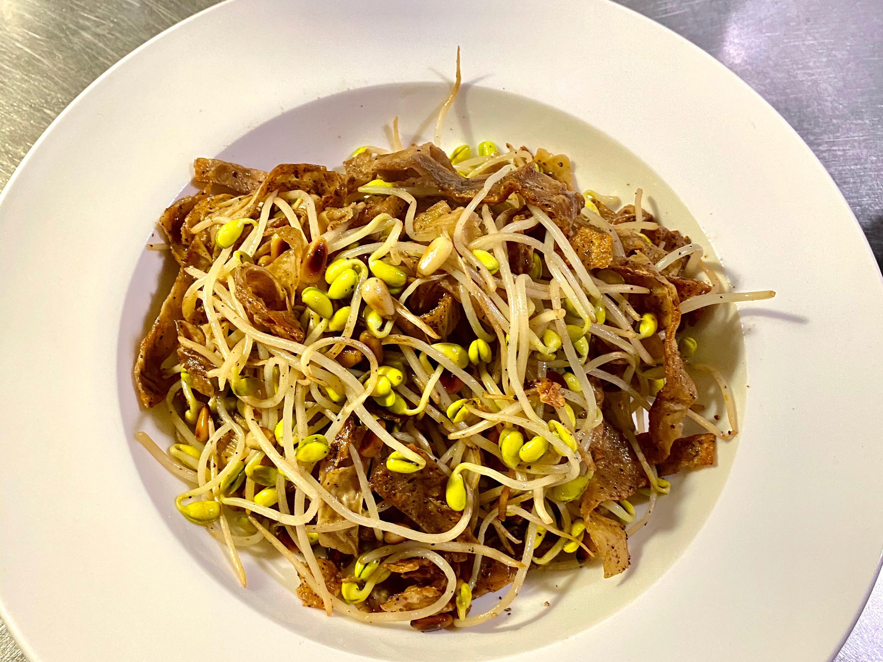 素食黑胡椒香草豆皮炒豆芽