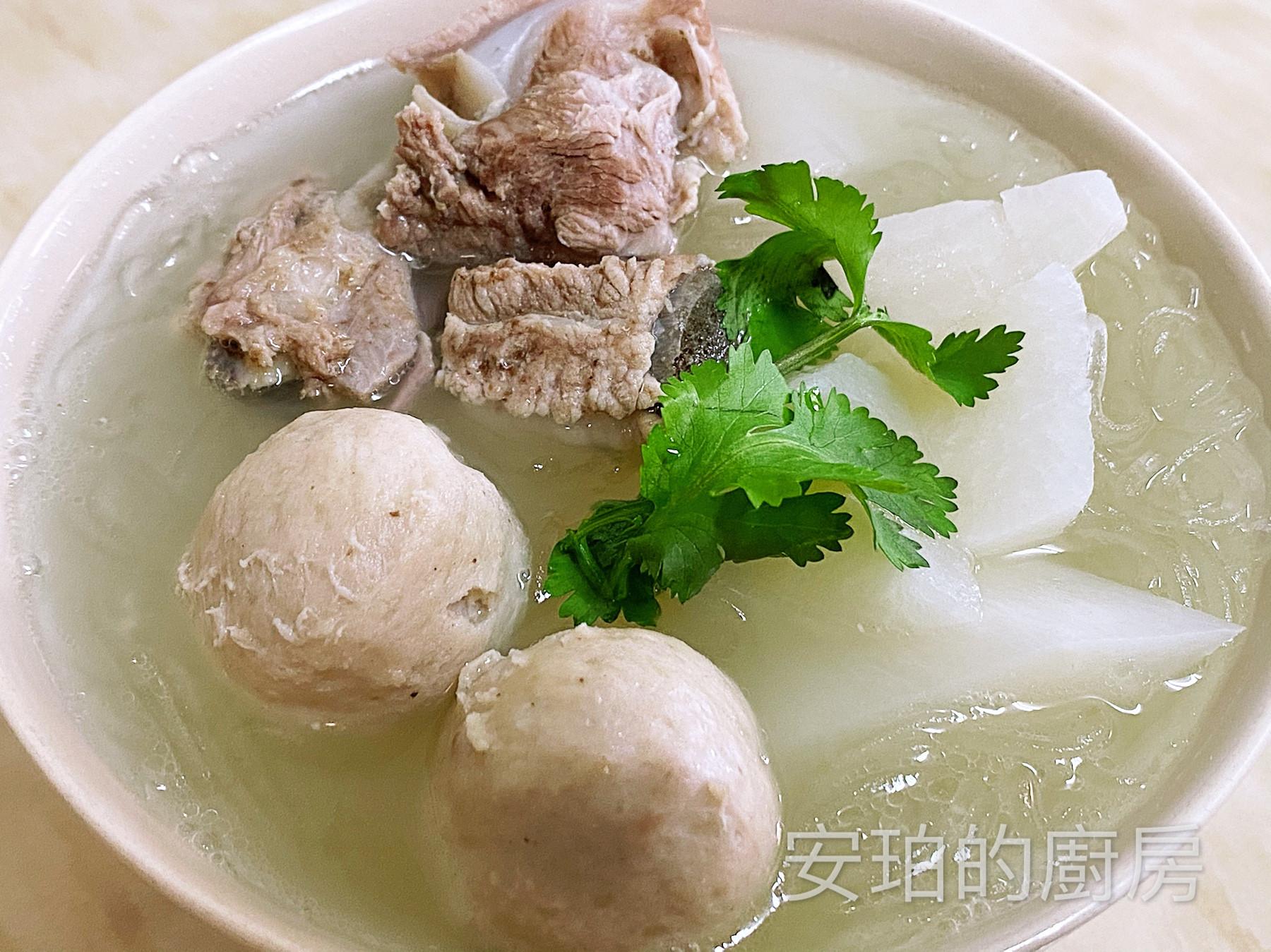 貢丸菜頭排骨湯(+冬粉)