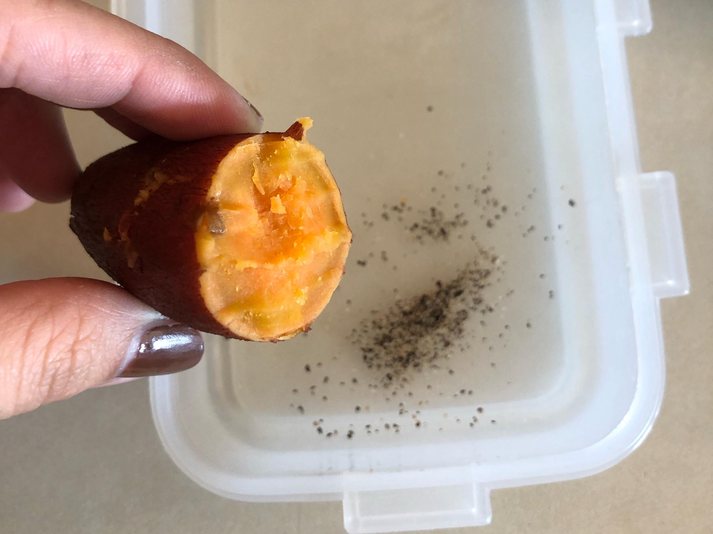 胡椒粒+鹽蒸地瓜