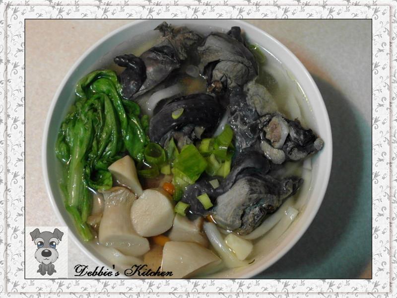 ★清燉杏胞菇雞肉麵★