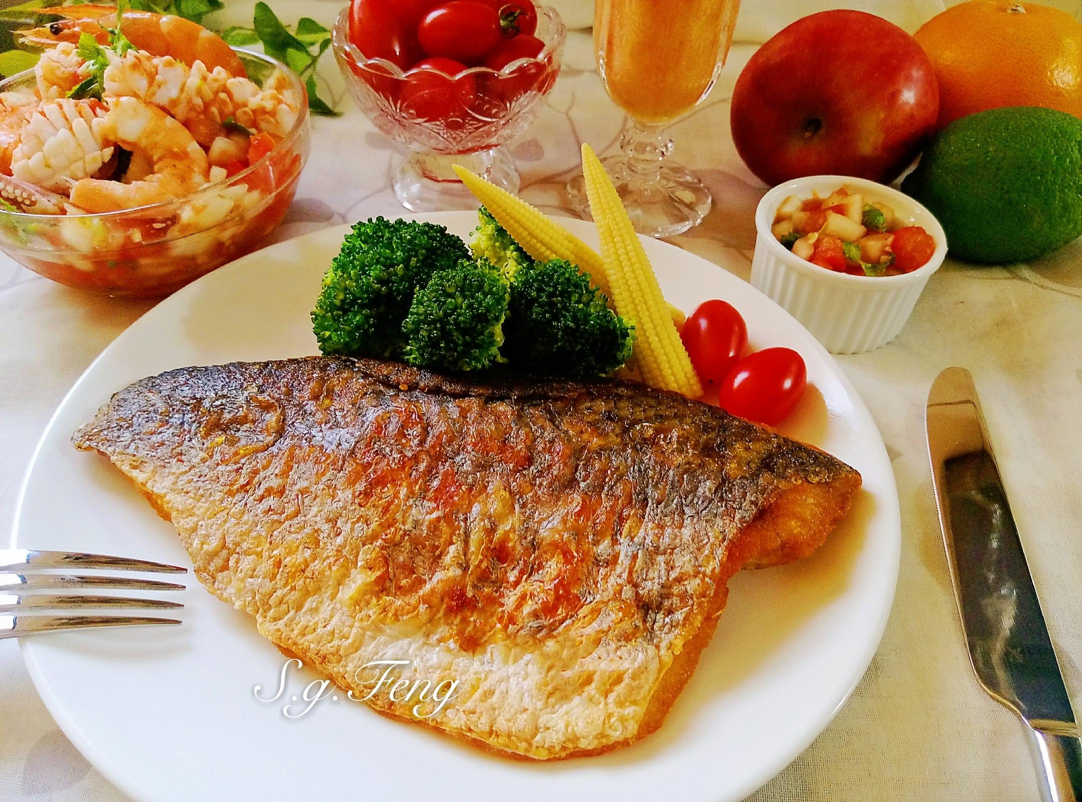 香煎鱸魚排佐莎莎醬海鮮