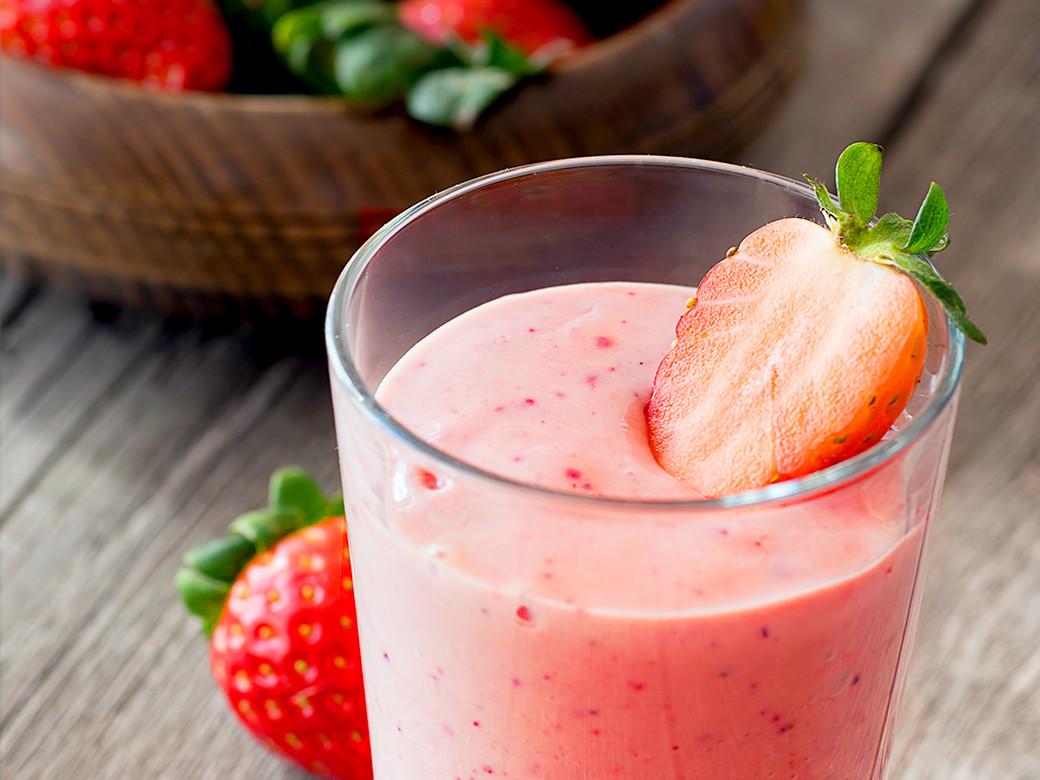銀耳白木耳草莓牛奶