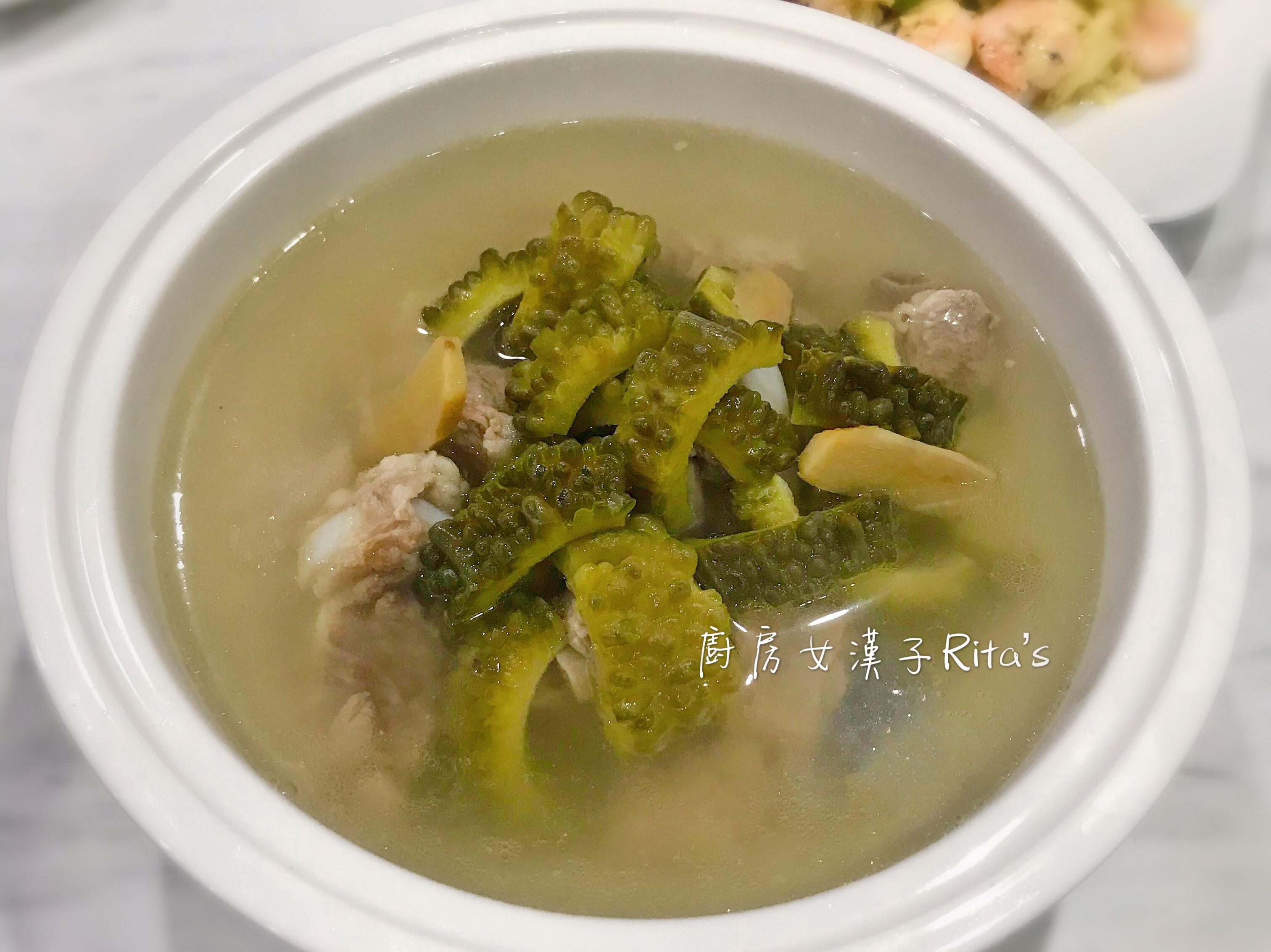 翠玉苦瓜排骨湯