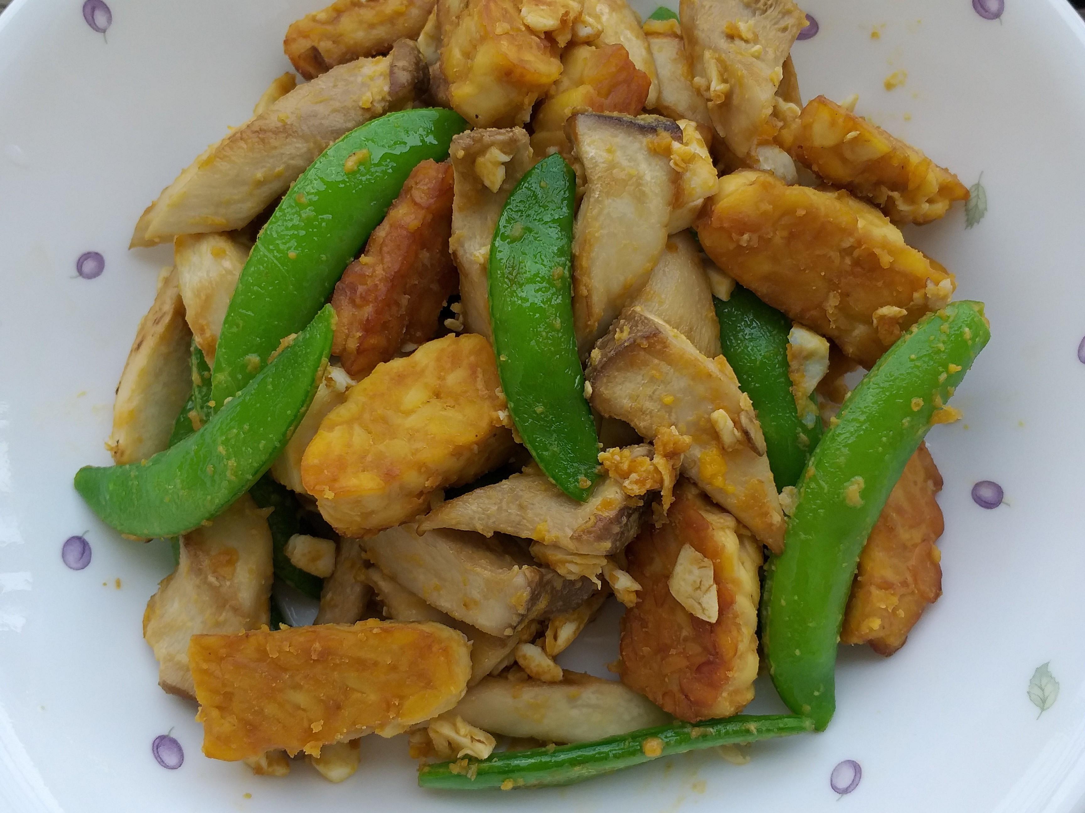 鹹蛋杏鮑菇炒天貝