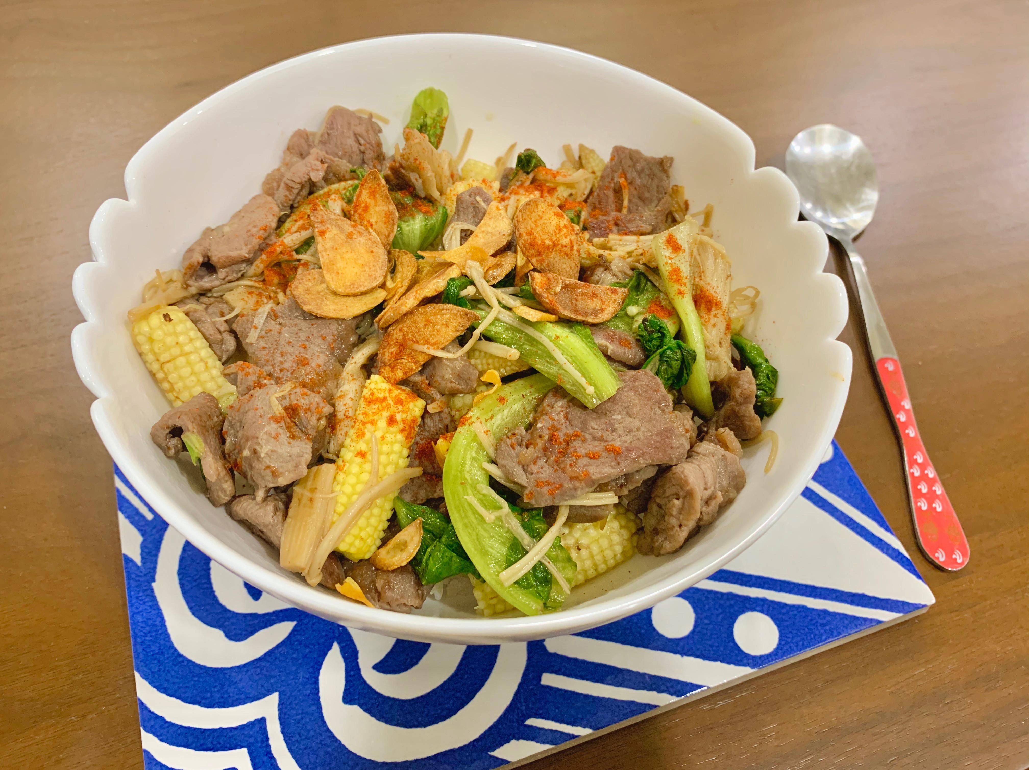 牛肉-蒜片拌飯
