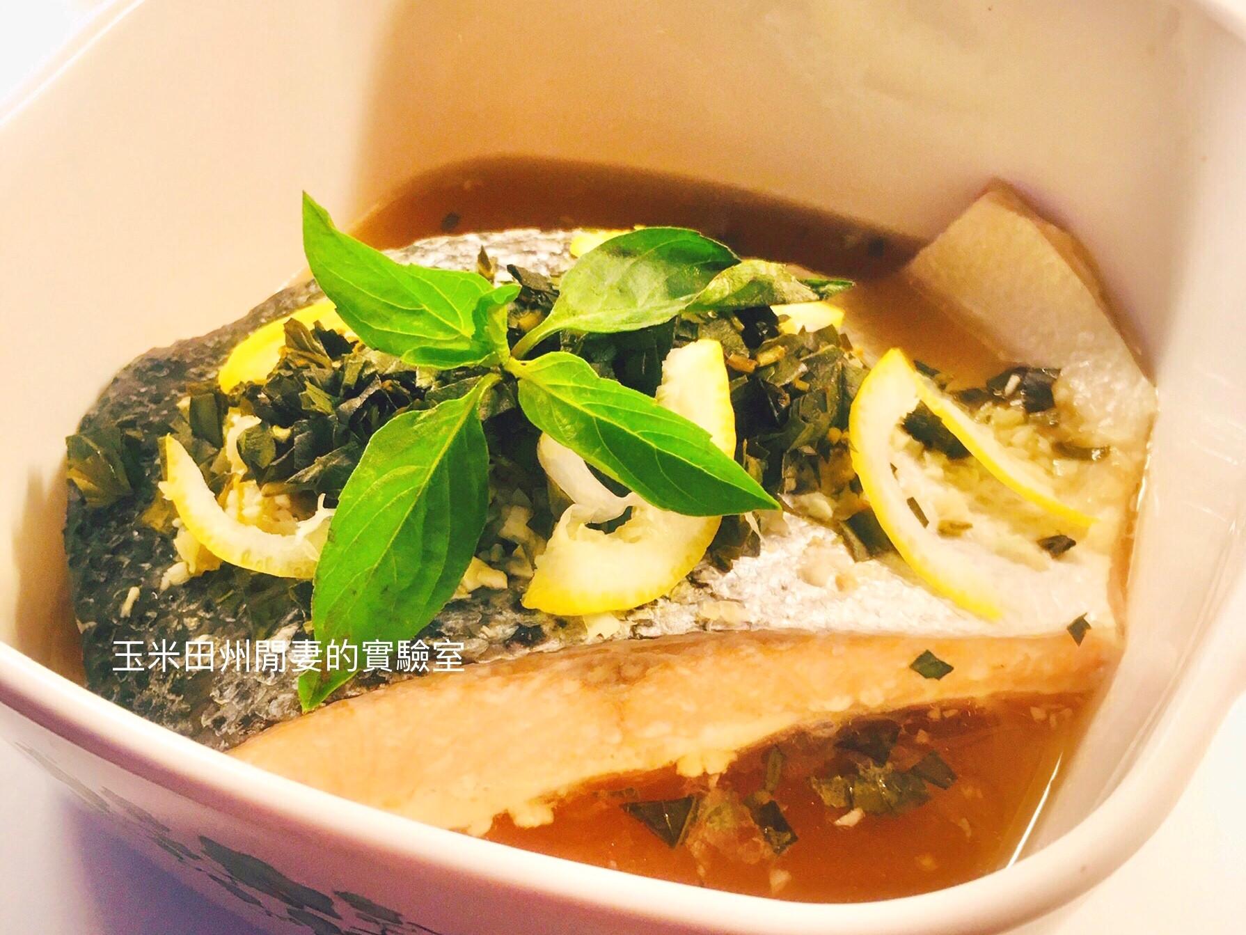 泰式酸辣鮭魚
