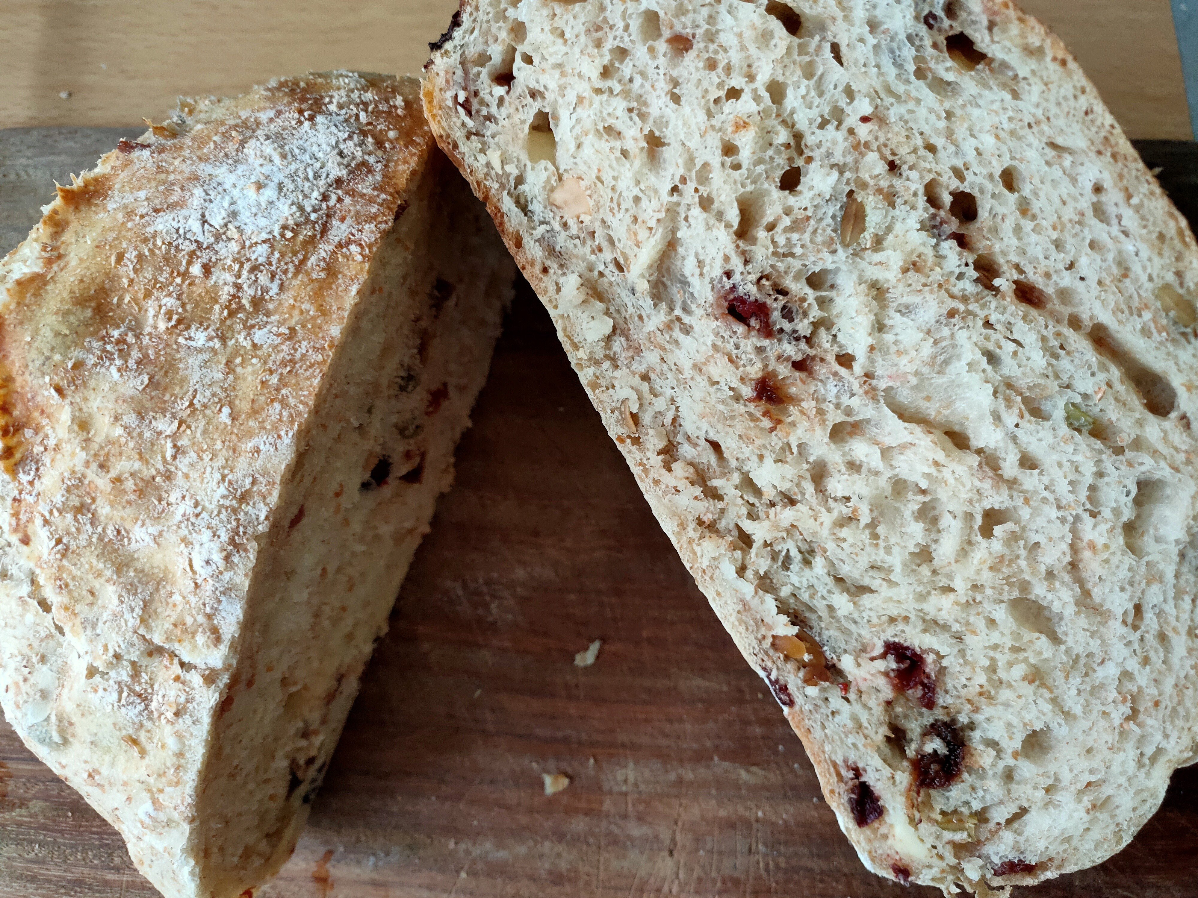 綜合堅果起司歐式麵包(免揉無油)