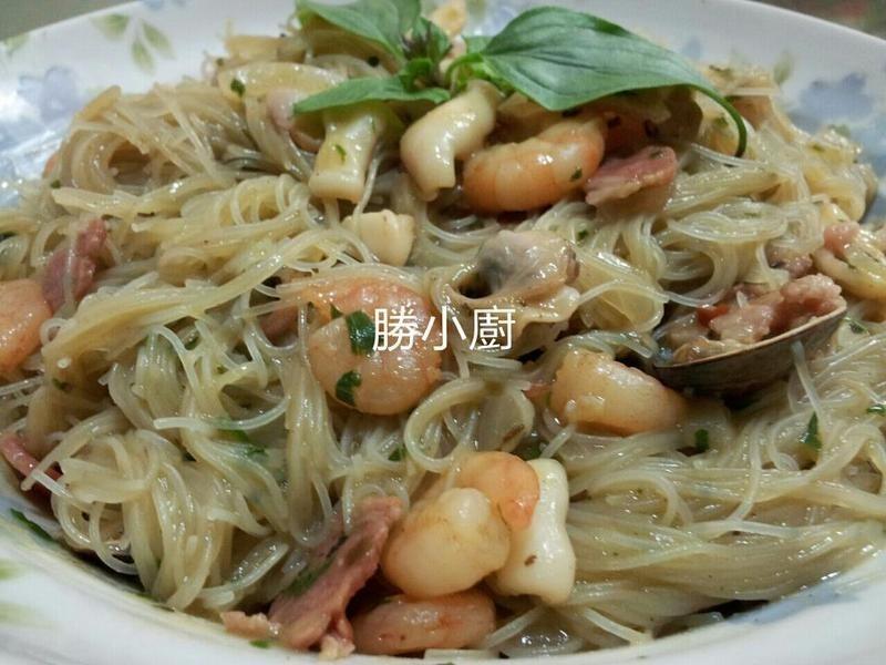 【穀盛綠咖哩】綠咖哩海鮮米粉